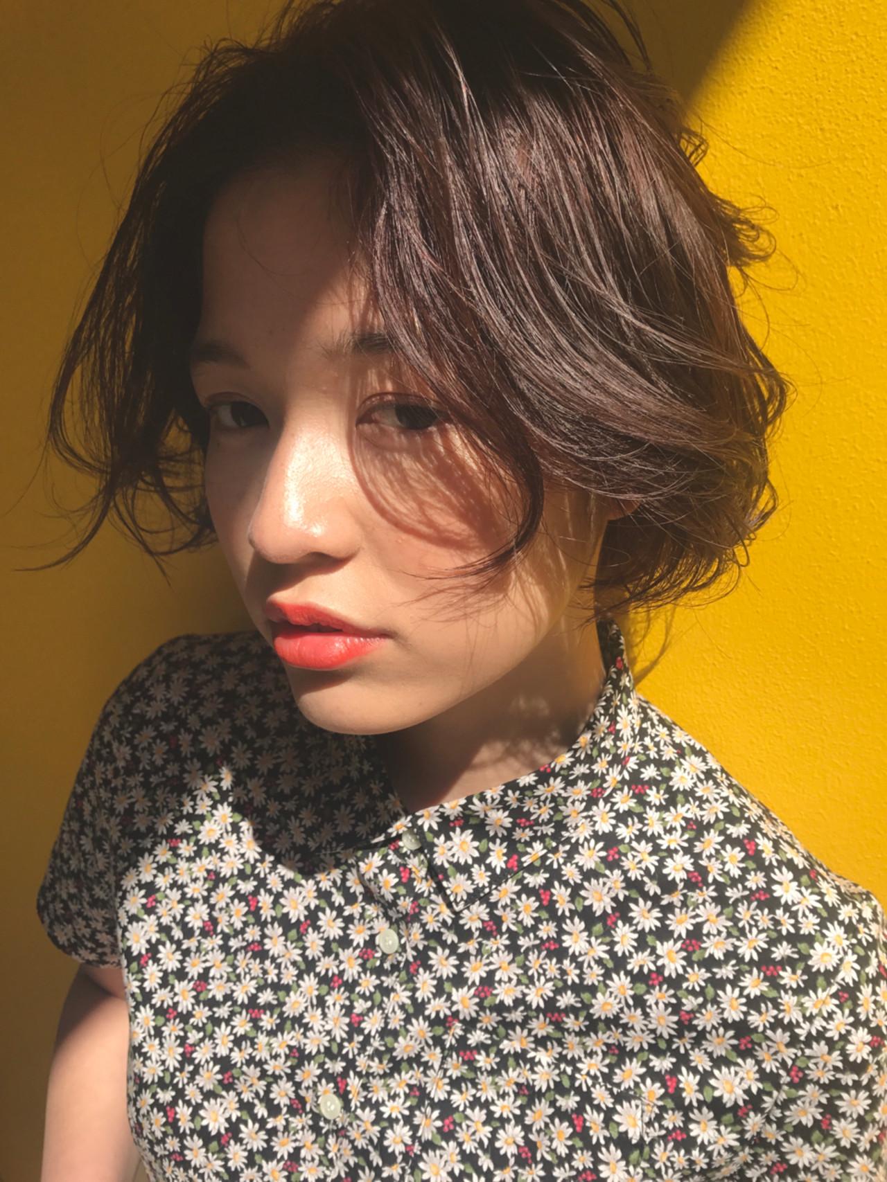 女子会 ウェーブ ボブ フェミニン ヘアスタイルや髪型の写真・画像 | 小西敬二郎 / Heartim