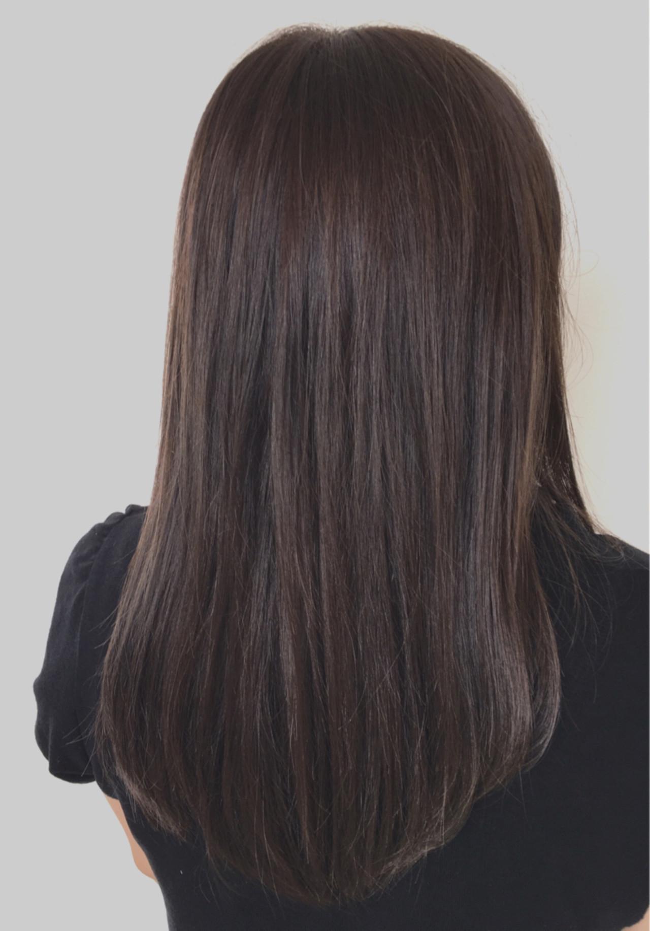 アッシュ セミロング ストレート 透明感ヘアスタイルや髪型の写真・画像