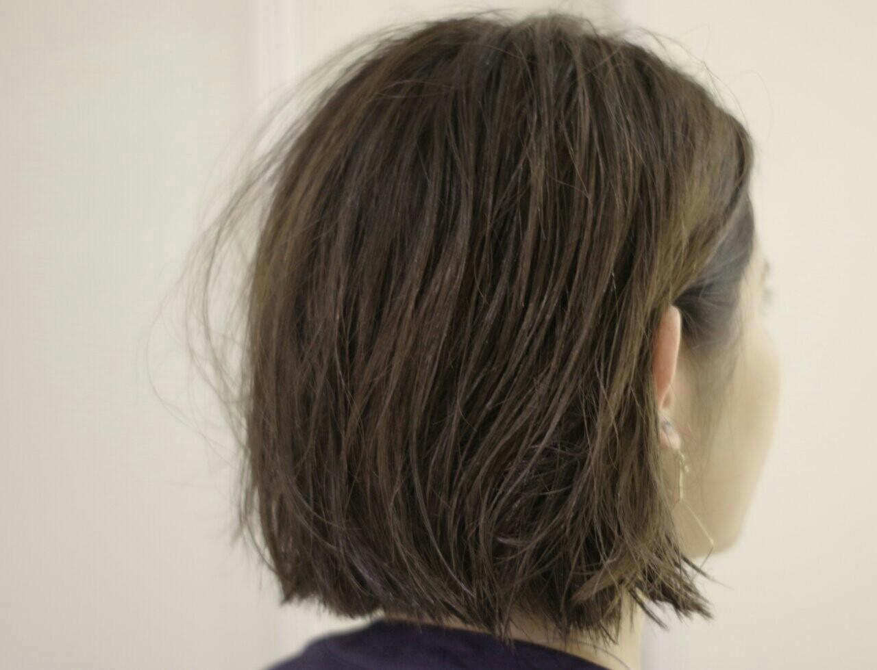 ボブ ウェットヘア 暗髪 ストリートヘアスタイルや髪型の写真・画像