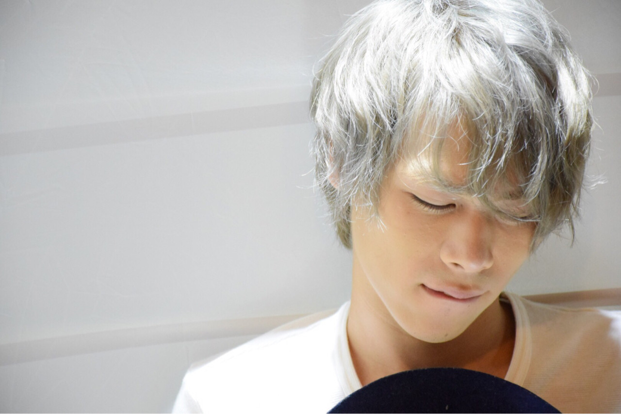 アッシュ ホワイトアッシュ パーマ メンズ ヘアスタイルや髪型の写真・画像   佐藤 沙緒 / ヘアーメイクFOX