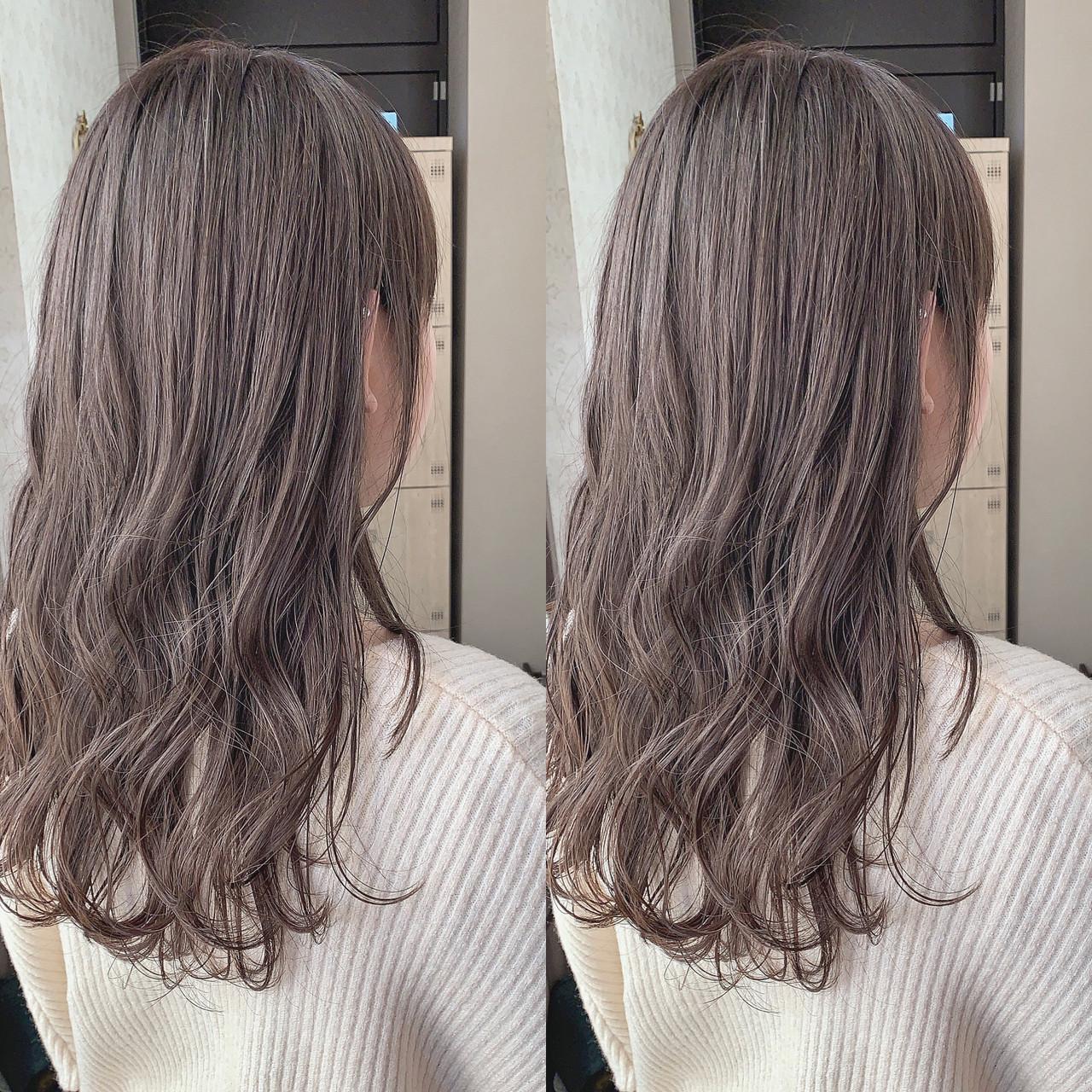 ハイライト デザインカラー セミロング 簡単スタイリングヘアスタイルや髪型の写真・画像