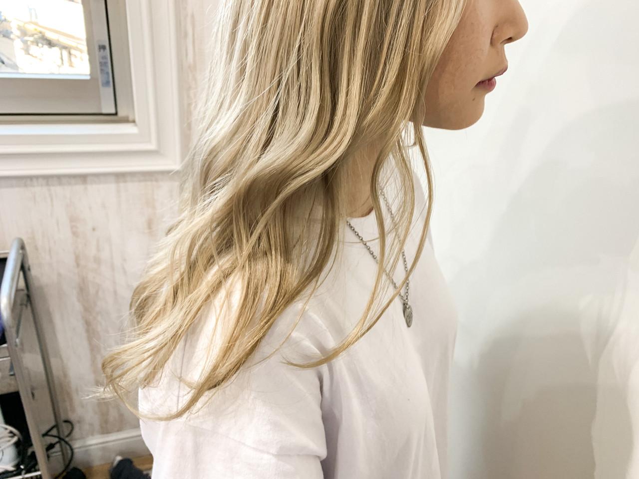 ナチュラル ホワイトカラー ハイトーンカラー セミロング ヘアスタイルや髪型の写真・画像