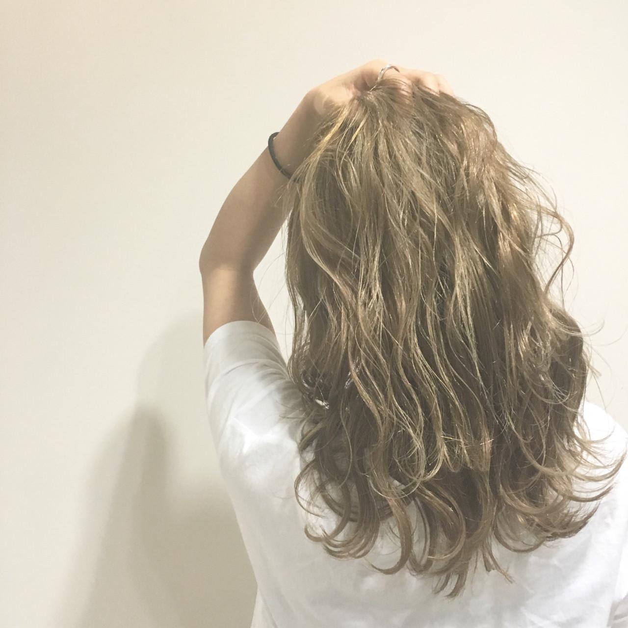 セミロング ストリート ヘアアレンジ ウェットヘアヘアスタイルや髪型の写真・画像