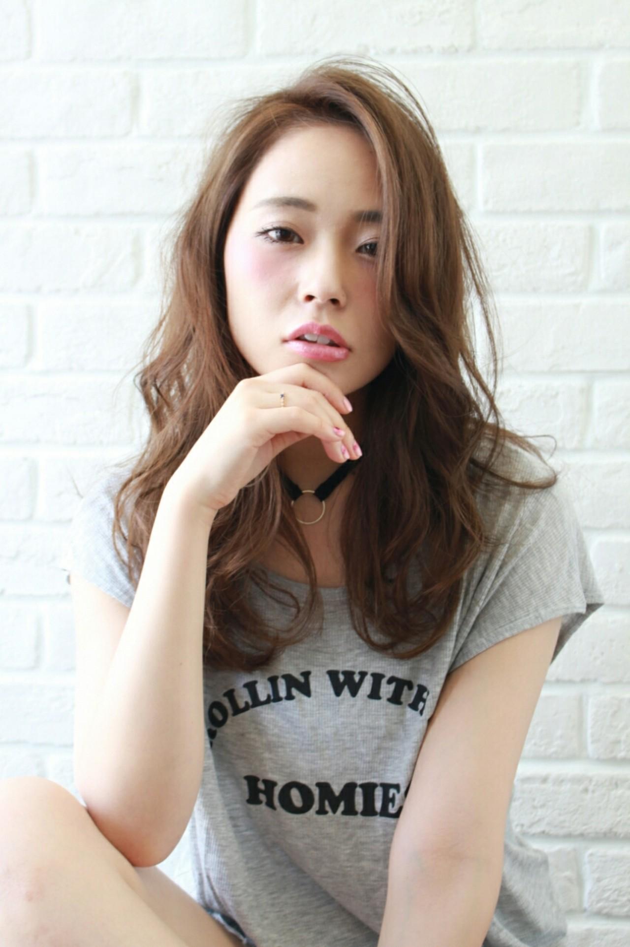 抜け感 アッシュ ゆるふわ ロング ヘアスタイルや髪型の写真・画像 | 増田 晃士 / Ramie de Ryo