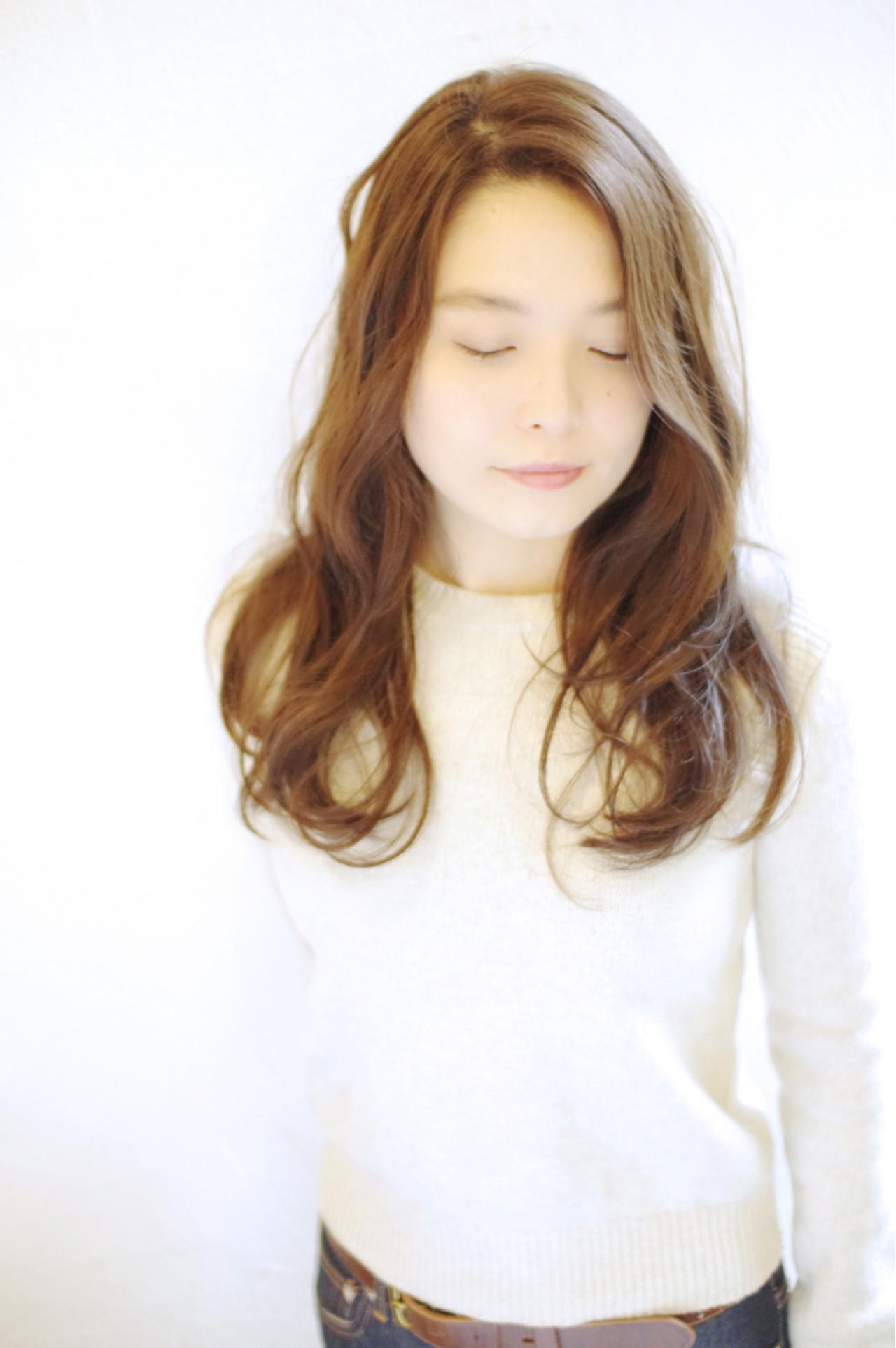 透明感 ゆるふわ パーマ 外国人風ヘアスタイルや髪型の写真・画像