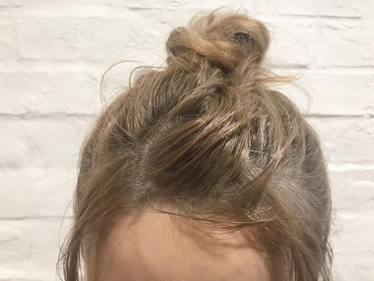 金髪 ハイトーン ベージュ ミルクティーベージュヘアスタイルや髪型の写真・画像