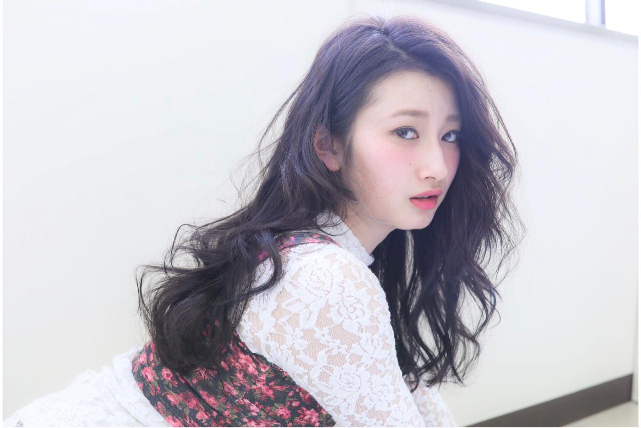 リラックス アンニュイ 愛され デート ヘアスタイルや髪型の写真・画像 | 高瀬 功二 / Liliy
