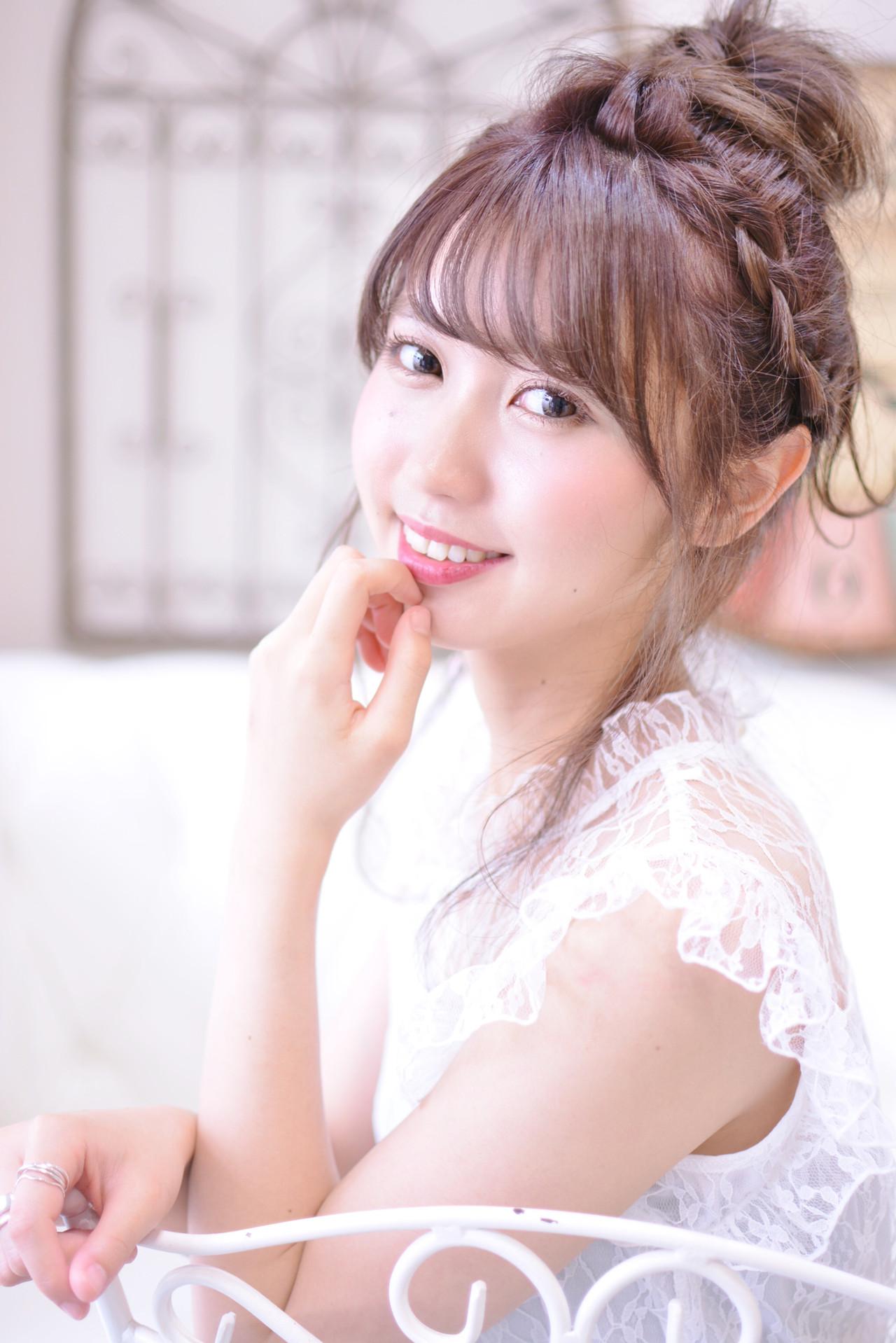 お団子アレンジ 簡単ヘアアレンジ デート セミロング ヘアスタイルや髪型の写真・画像   Shiko Kajihara / メイズ