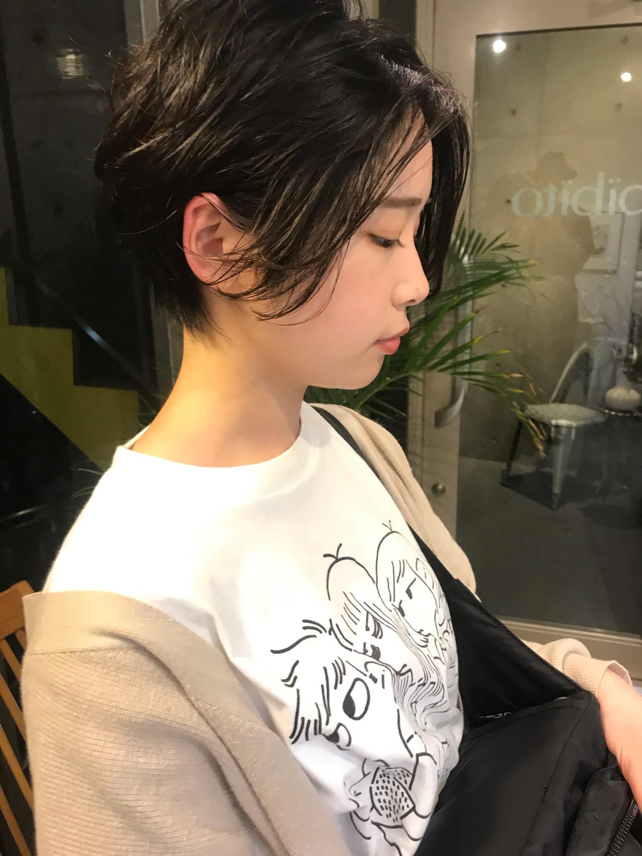 ショート 黒髪 モード パーマヘアスタイルや髪型の写真・画像