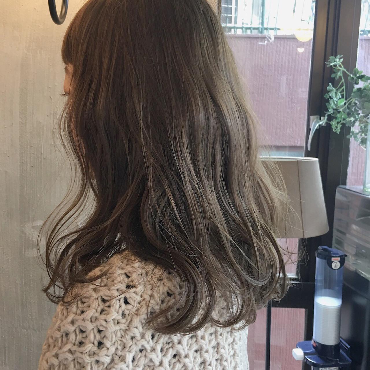 結婚式 ミディアム ヘアアレンジ 外ハネ ヘアスタイルや髪型の写真・画像 | 冨永 真太郎 / 人トナリ