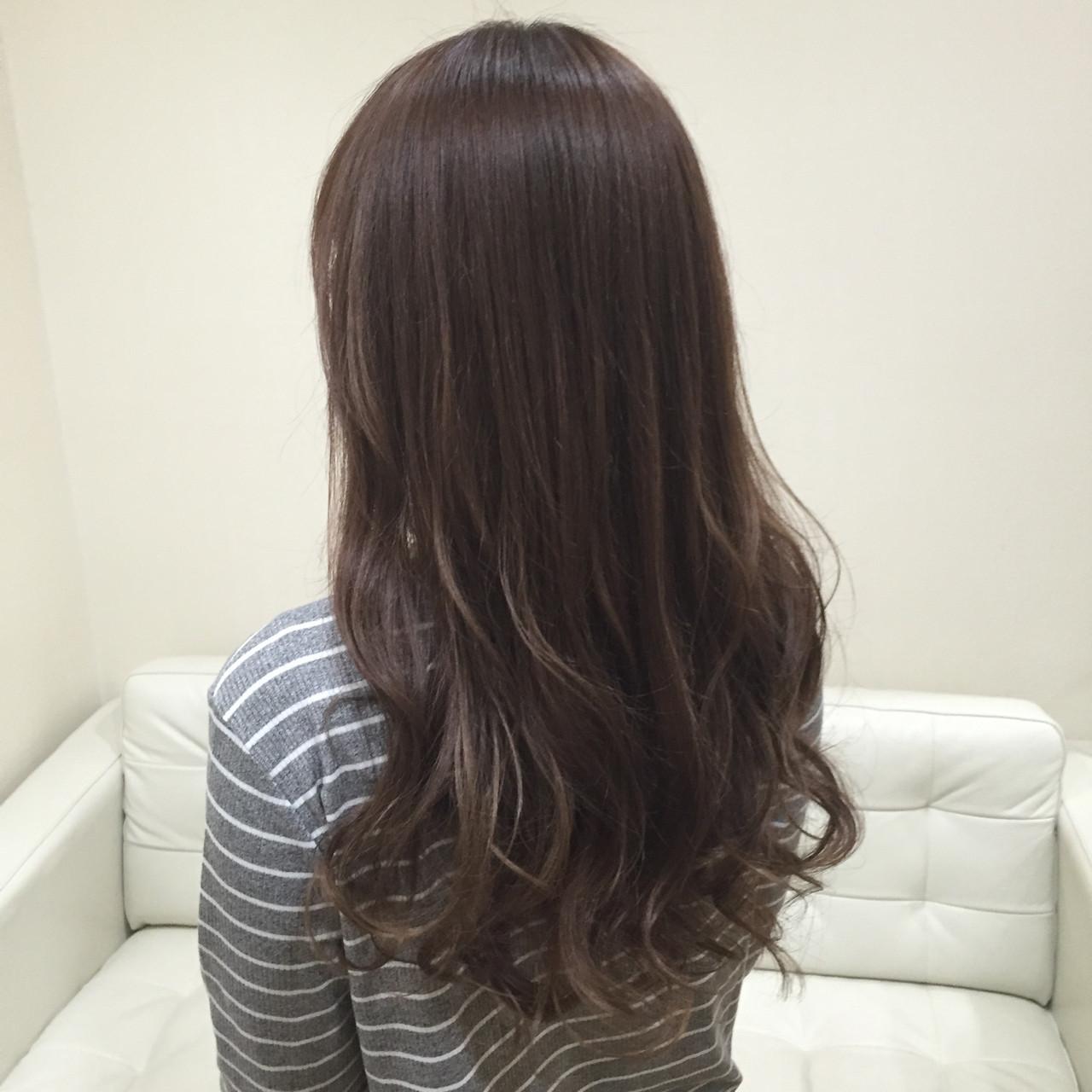 外国人風 ロング フェミニン 愛され ヘアスタイルや髪型の写真・画像 | seikan / vifkrone hair&beauty