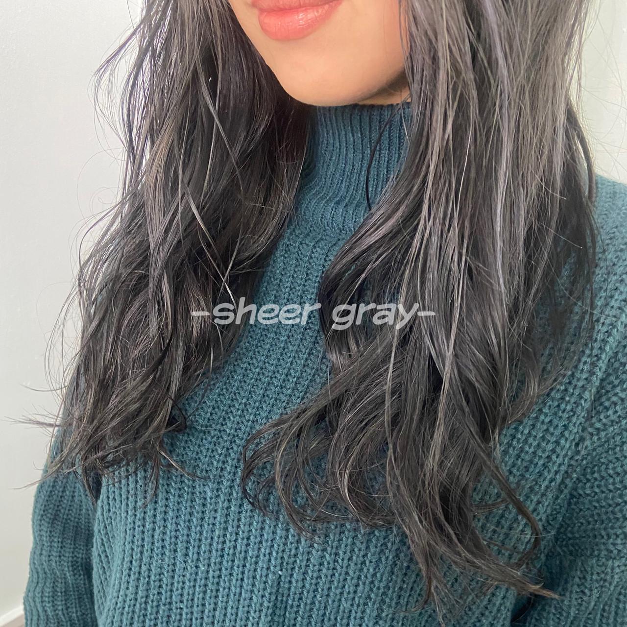 アッシュグレー シアー ホワイトグレージュ グレージュヘアスタイルや髪型の写真・画像