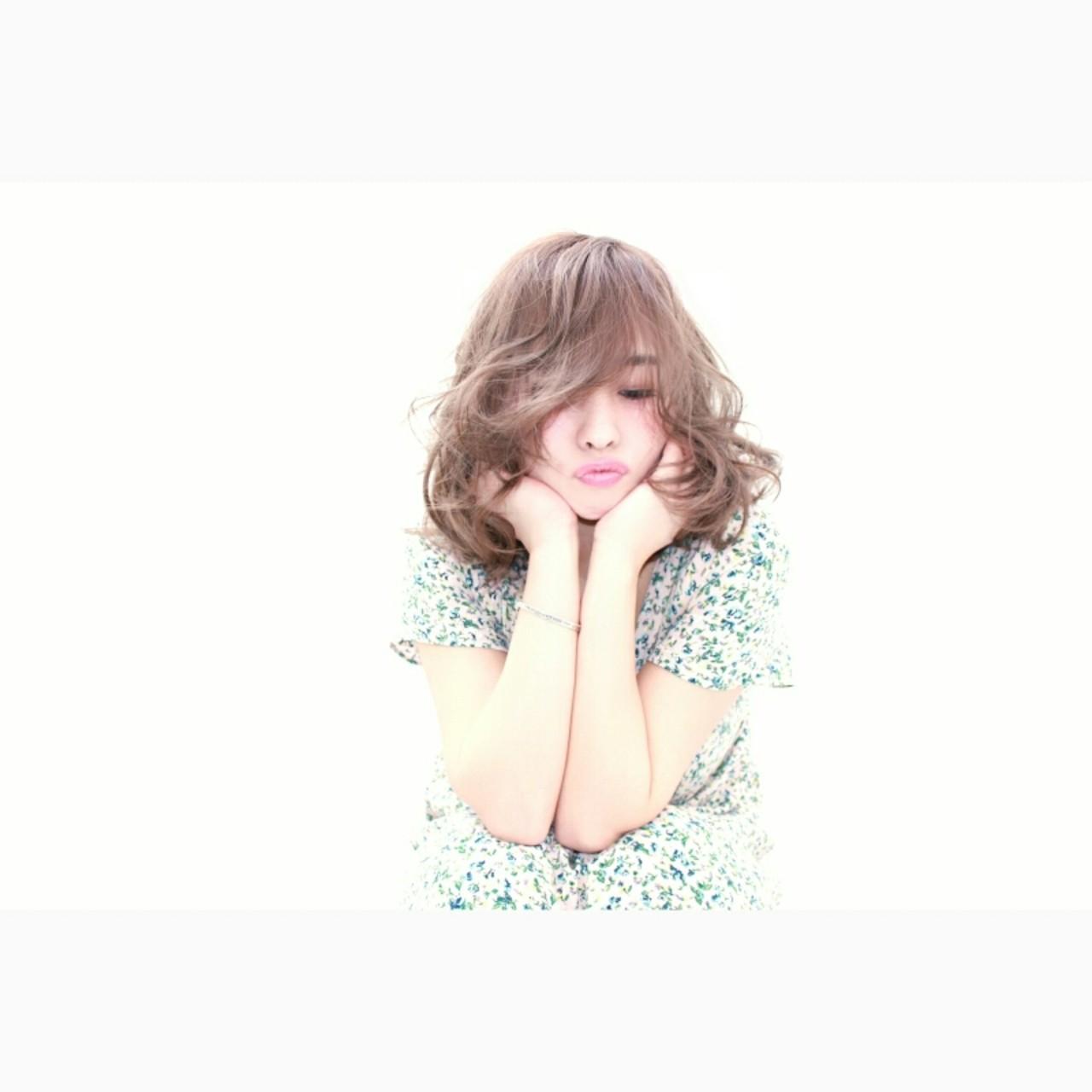 色気 ミディアム フェミニン ボブ ヘアスタイルや髪型の写真・画像 | 安井 昴 / Ash 大宮