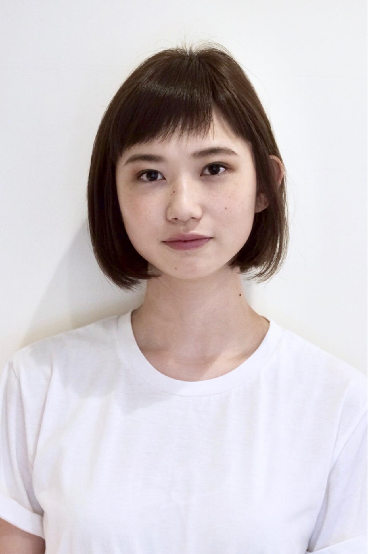 大人女子 透明感 暗髪 ナチュラルヘアスタイルや髪型の写真・画像