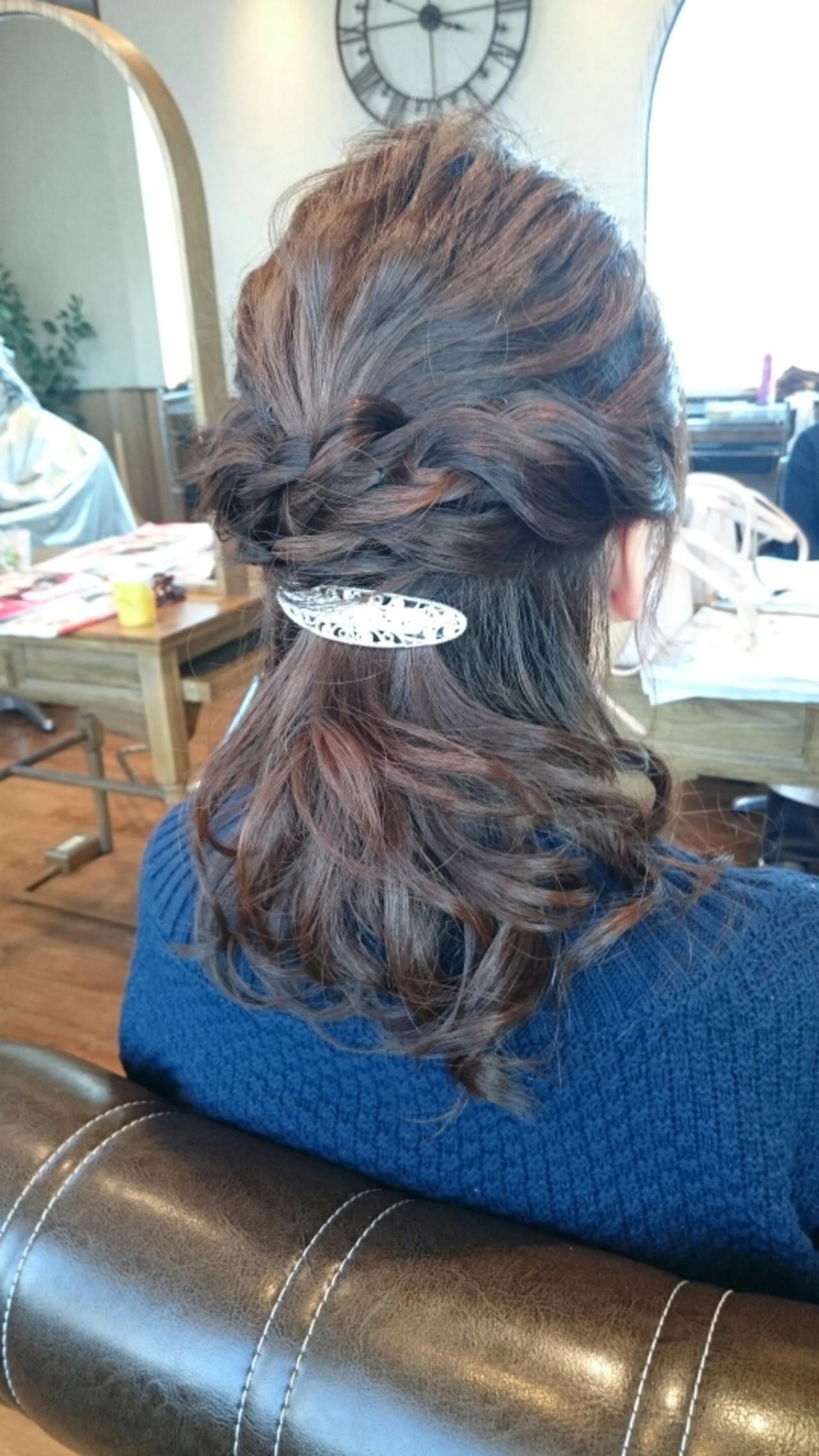 ショート ハーフアップ フェミニン 大人かわいい ヘアスタイルや髪型の写真・画像 | Akira Oomori / Agu hair lien