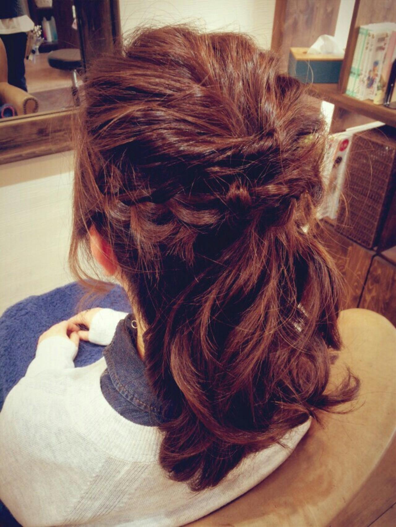 編み込み ヘアアレンジ ハーフアップ セミロングヘアスタイルや髪型の写真・画像