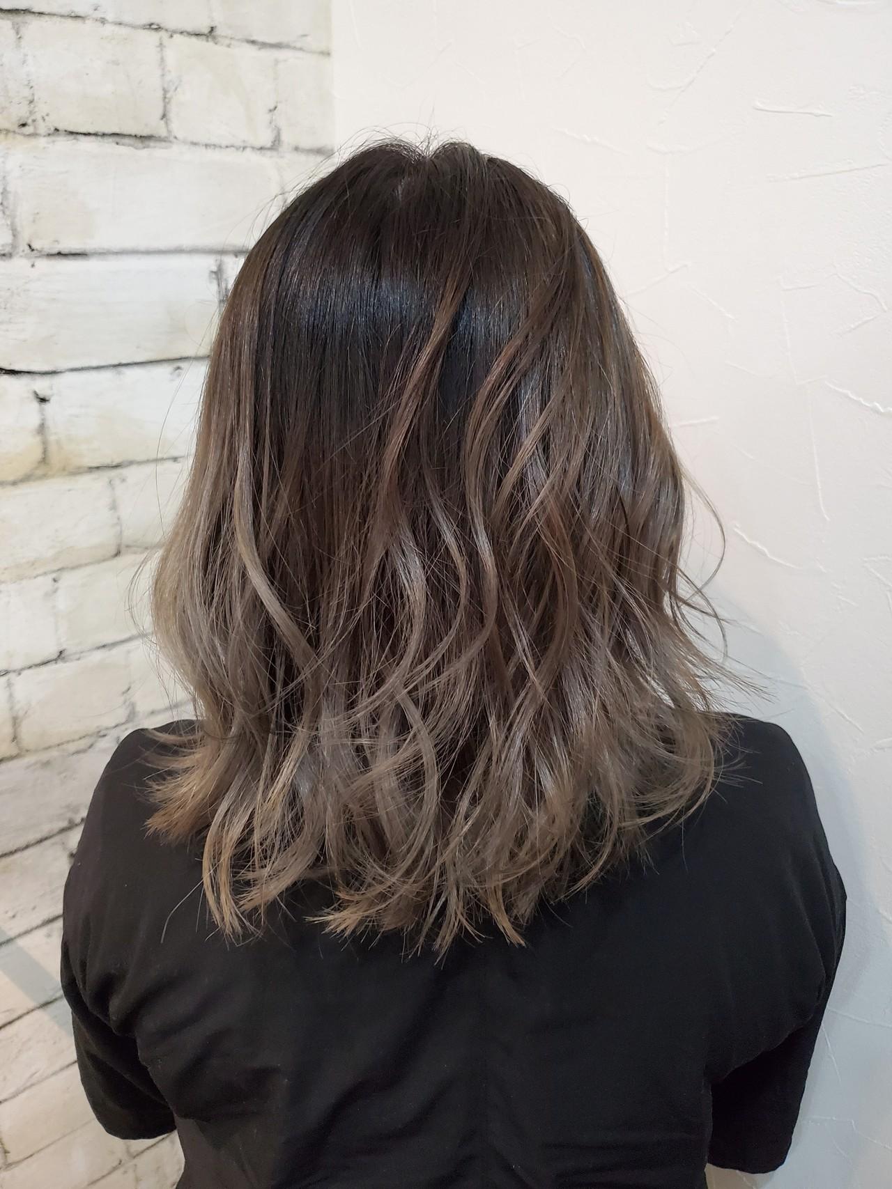 ミディアム ハイライト グラデーションカラー コントラストハイライト ヘアスタイルや髪型の写真・画像