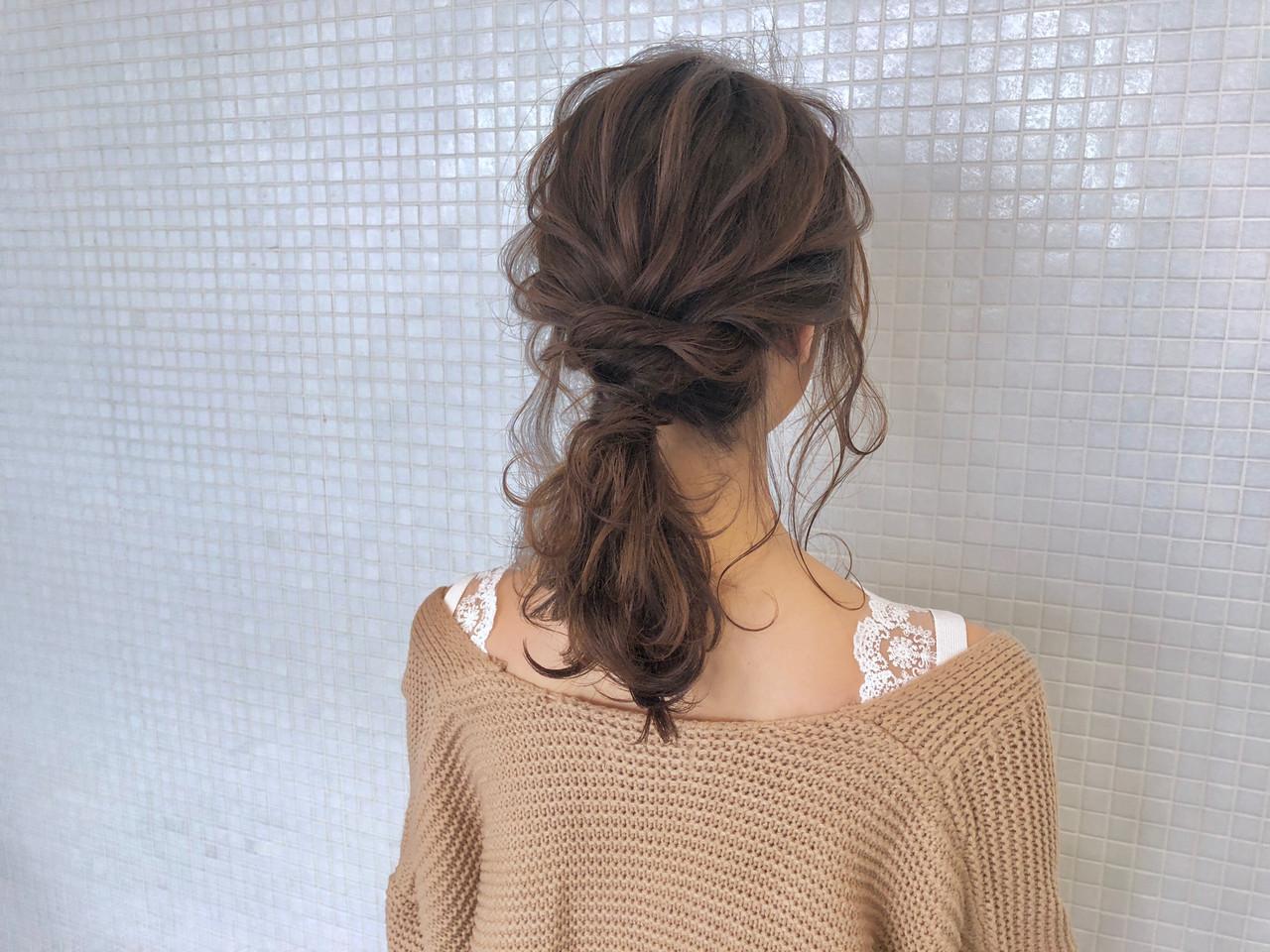 ローポニーテール 簡単ヘアアレンジ ナチュラル ポニーテールヘアスタイルや髪型の写真・画像