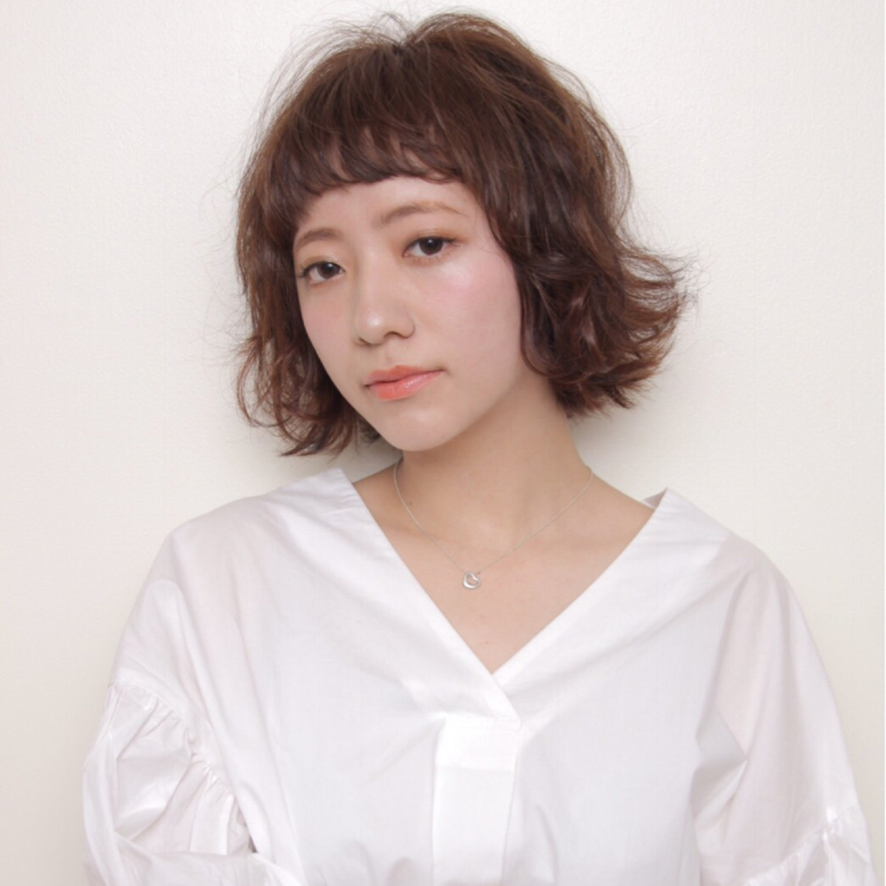 ナチュラル オン眉 ショートボブ ワイドバング ヘアスタイルや髪型の写真・画像 | HIKARI /