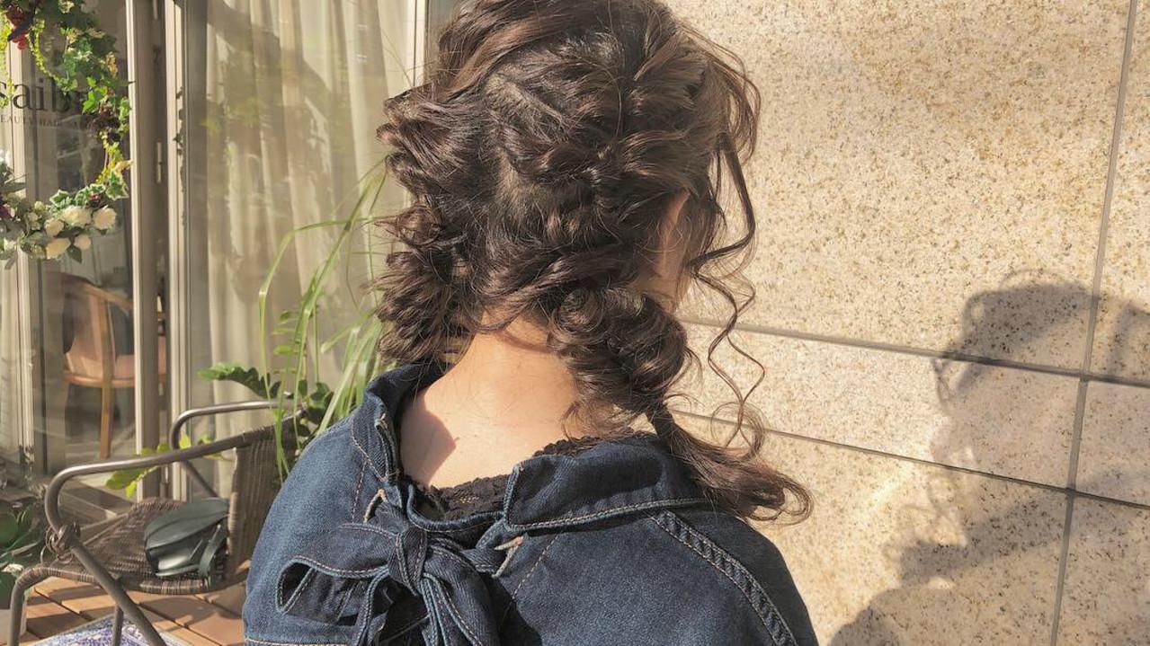 ガーリー デート 簡単ヘアアレンジ セミロングヘアスタイルや髪型の写真・画像