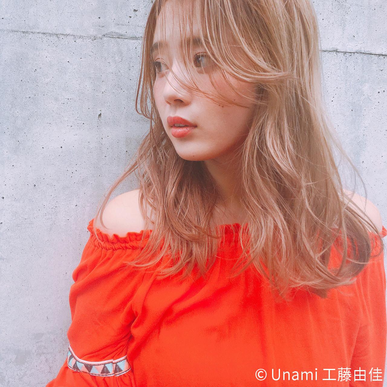 セミロング ゆるふわ フェミニン 色気 ヘアスタイルや髪型の写真・画像 | Unami 工藤由佳 / Unami omotesando
