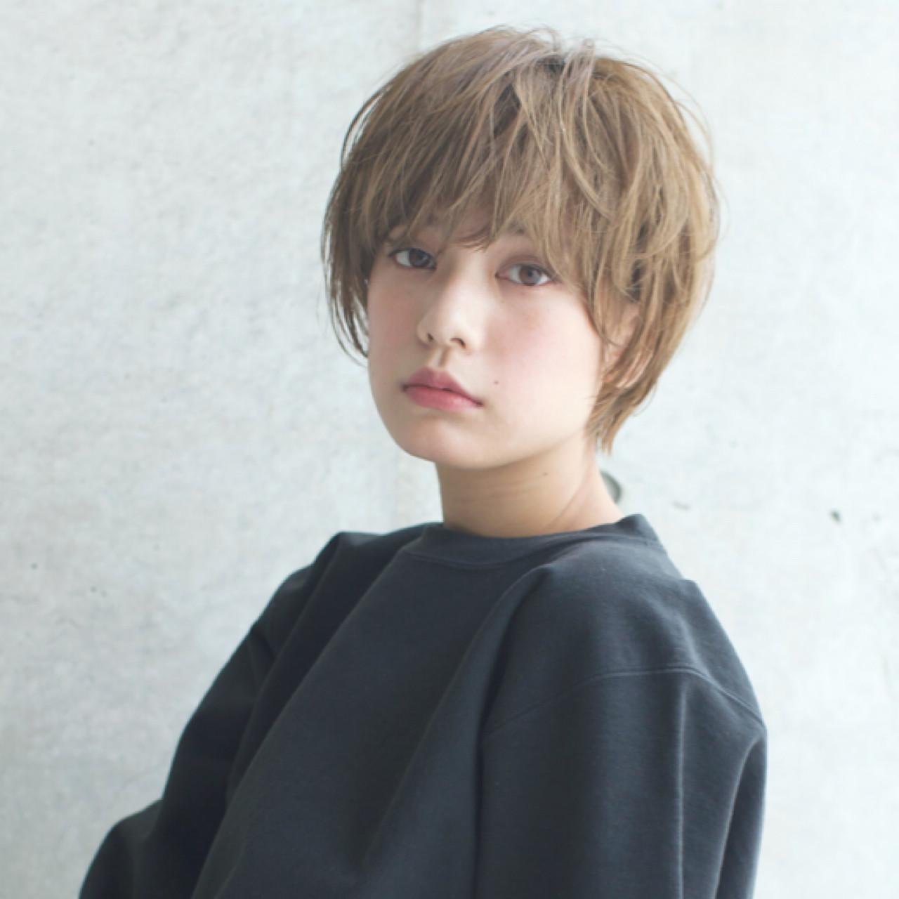 外国人風 ショート アッシュ 透明感 ヘアスタイルや髪型の写真・画像   石川 瑠利子 /