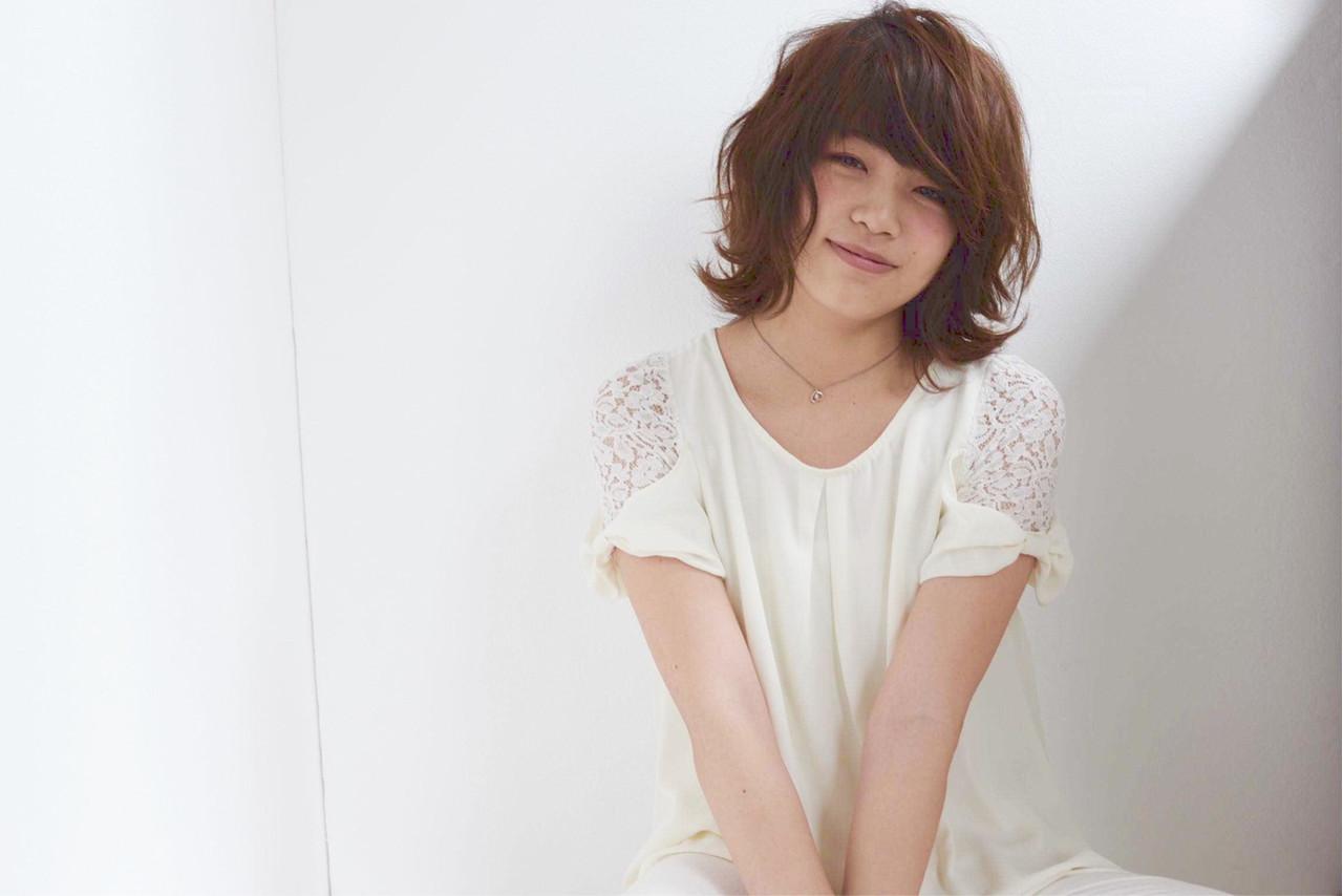 【丸顔さんに似合う髪型】ひし形シルエットの小顔効果でより可愛く♡ 須磨 梨央