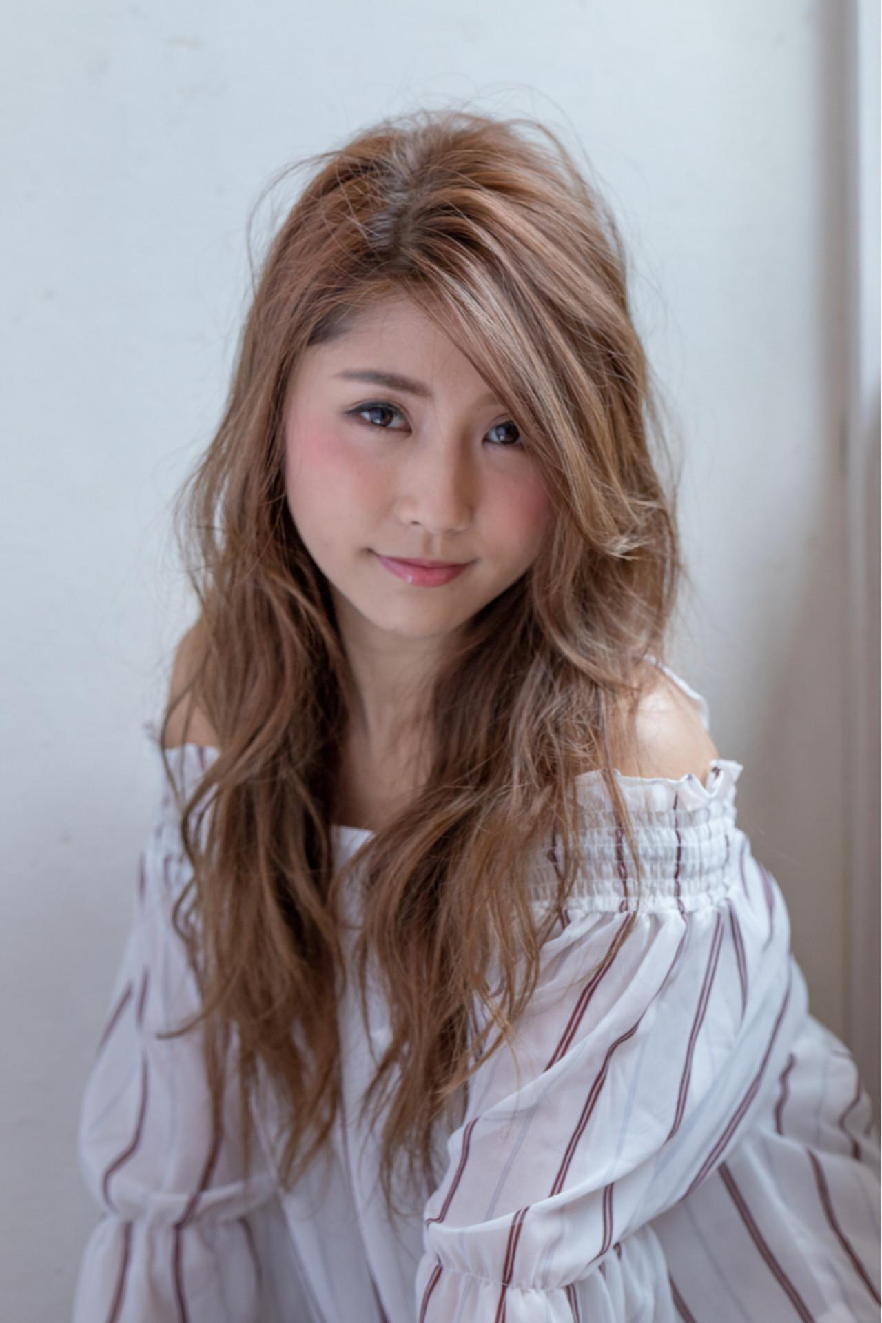 ゆるふわ 上品 アンニュイ 大人女子 ヘアスタイルや髪型の写真・画像 | 溝田 大 / Camel hair design (キャメル ヘア デザイン)