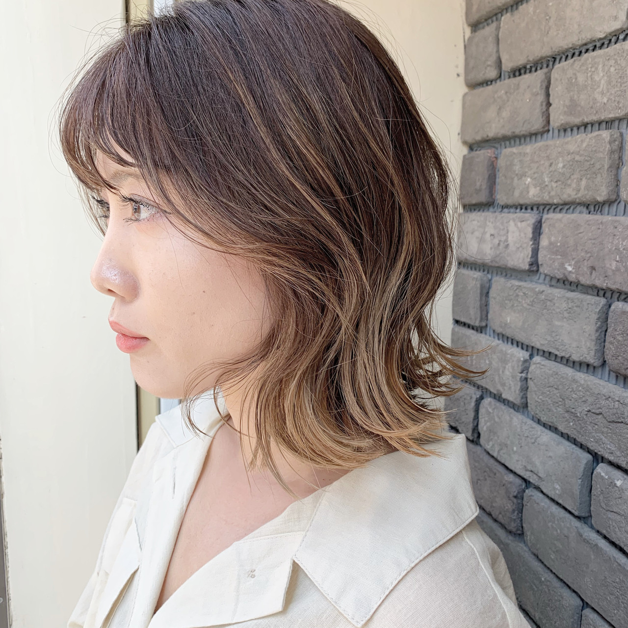 フェミニン グラデーションカラー 外国人風カラー ベージュ ヘアスタイルや髪型の写真・画像   谷川 健太 / ROVERSI