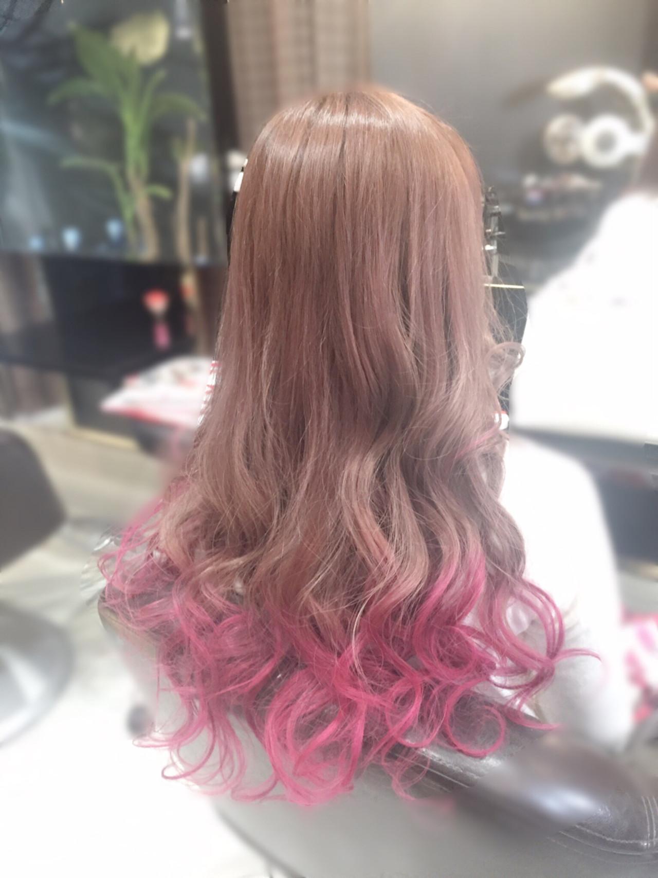 ガーリー 個性的 ピンク ロングヘアスタイルや髪型の写真・画像