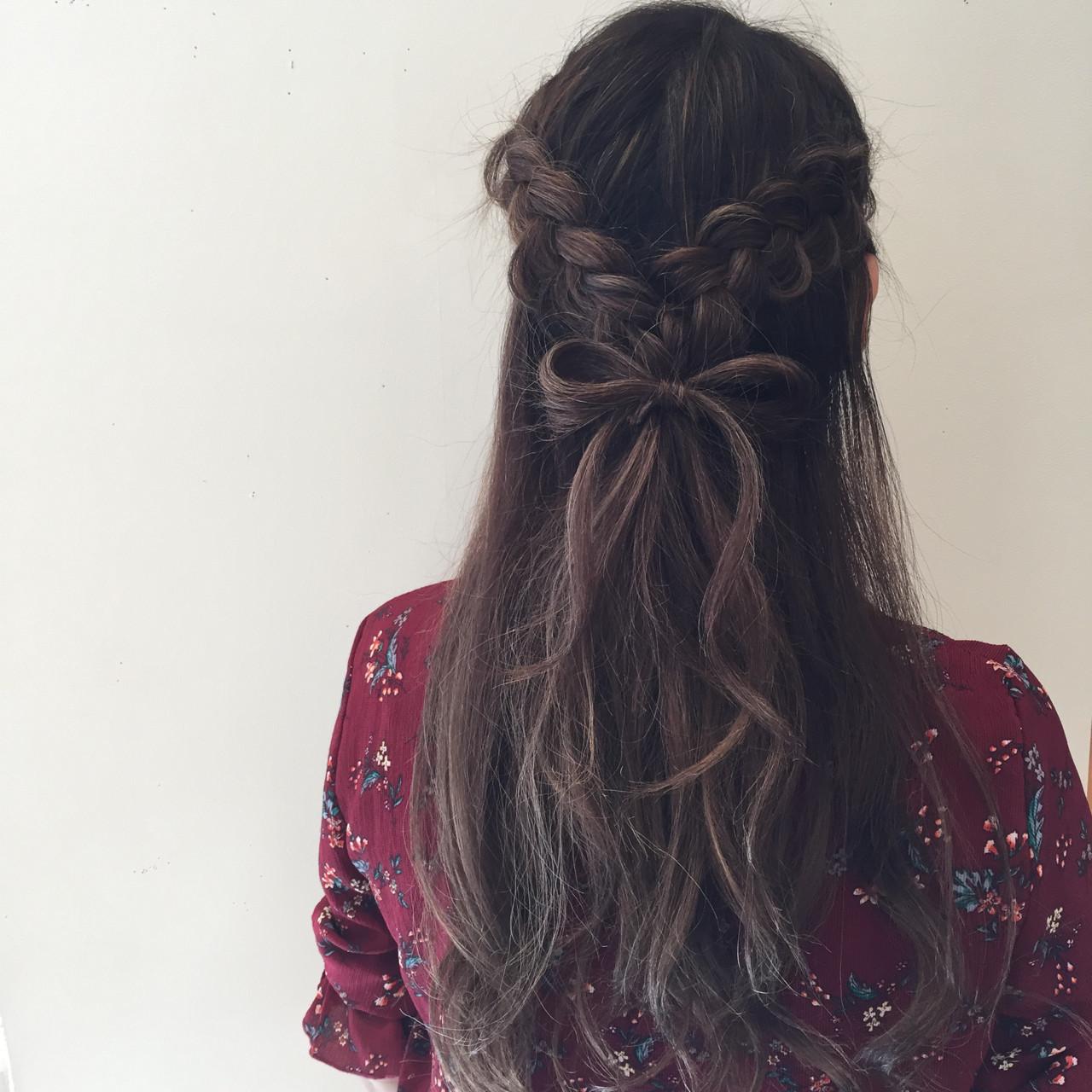 フェミニン ヘアアレンジ デート ロングヘアスタイルや髪型の写真・画像