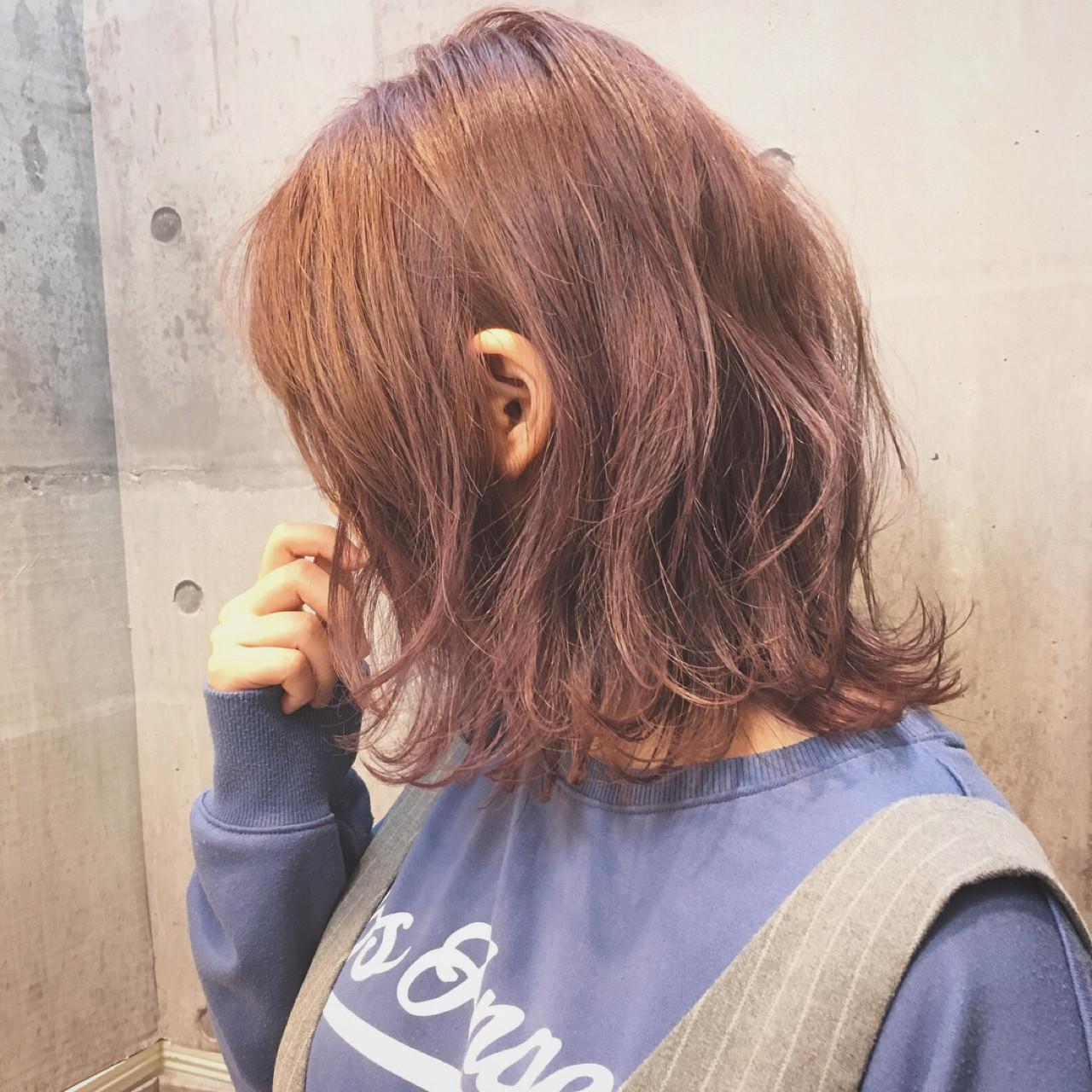 外ハネ ロブ ナチュラル ボブヘアスタイルや髪型の写真・画像