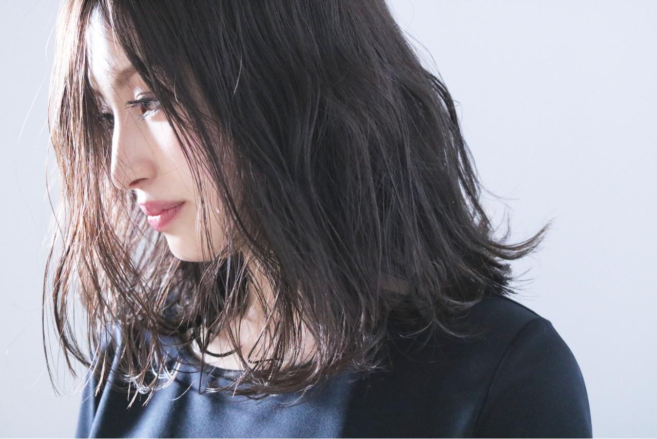 女子力 ナチュラル アンニュイ ミディアム ヘアスタイルや髪型の写真・画像 | 上田智久 / ooit 福岡 天神 / ooit