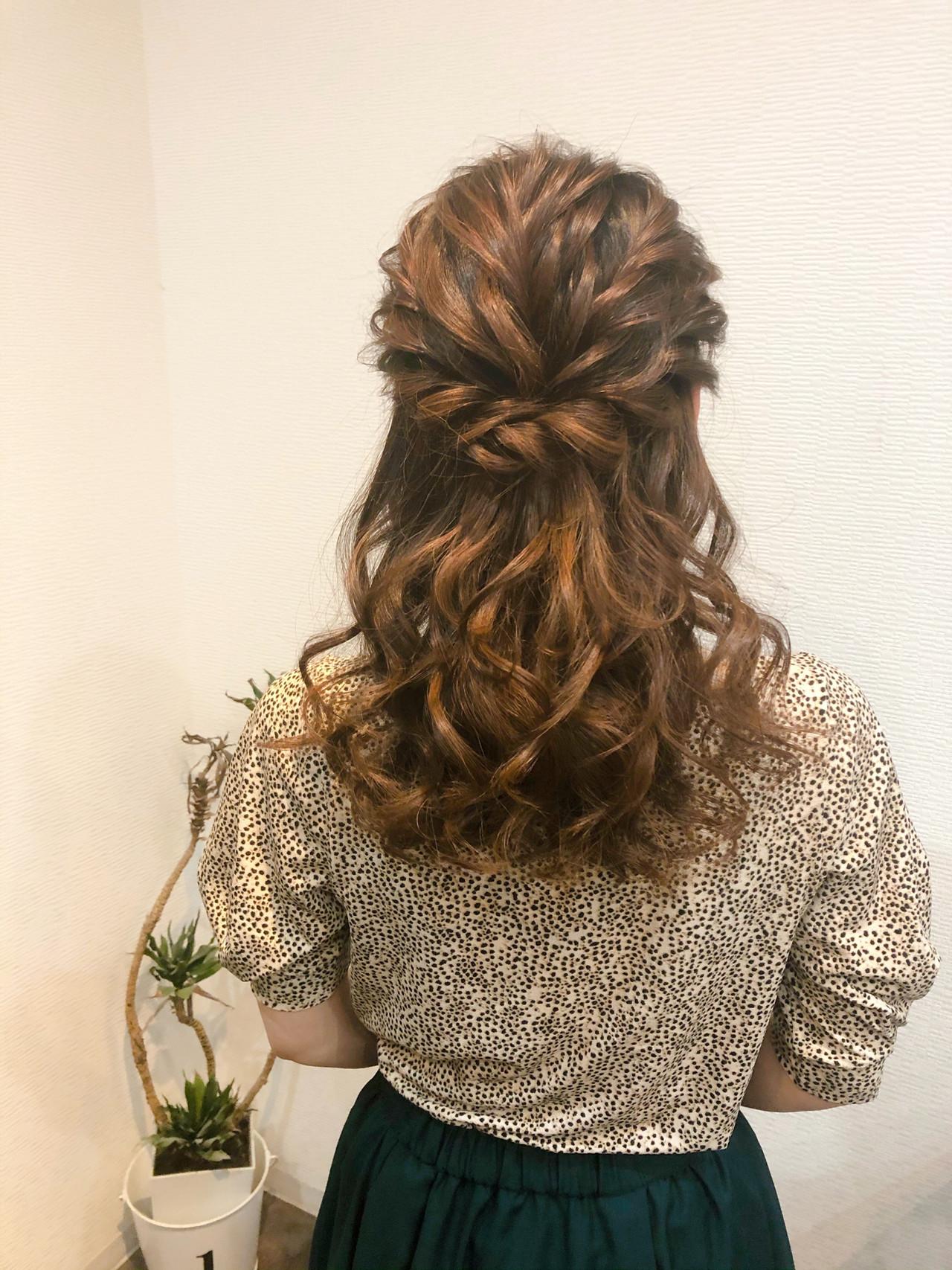 フェミニン 結婚式 ハーフアップ セミロング ヘアスタイルや髪型の写真・画像