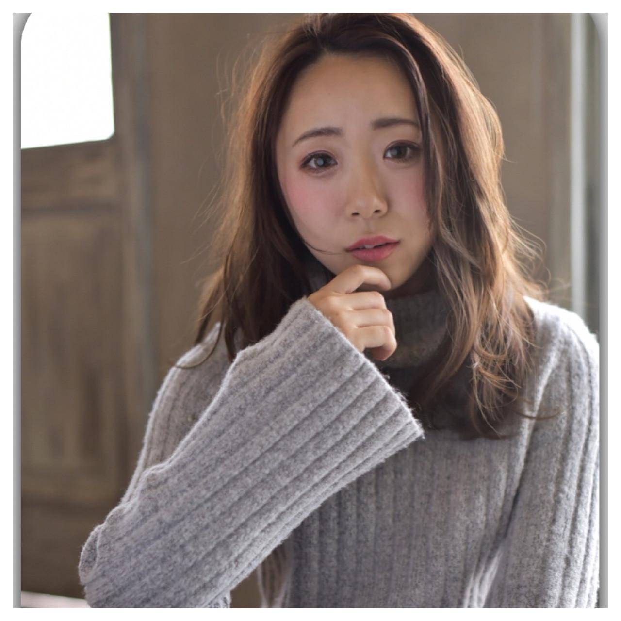 ナチュラル ゆるふわ 斜め前髪 ウェーブ ヘアスタイルや髪型の写真・画像 | Yoshito Ueda / nanana parena 宝塚店(ナナナパレナ)