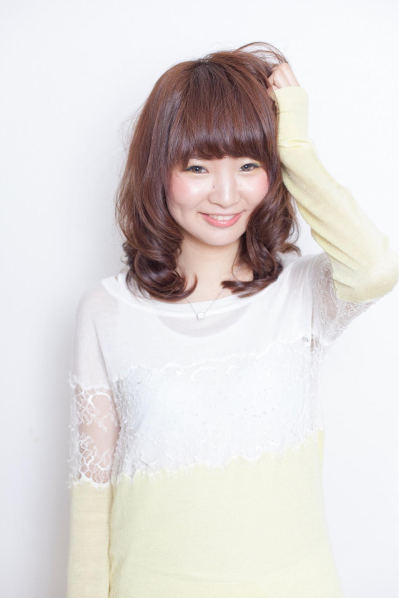 大人かわいい ミディアム ゆるふわ セミロング ヘアスタイルや髪型の写真・画像   石川宏一 / AGATA hair