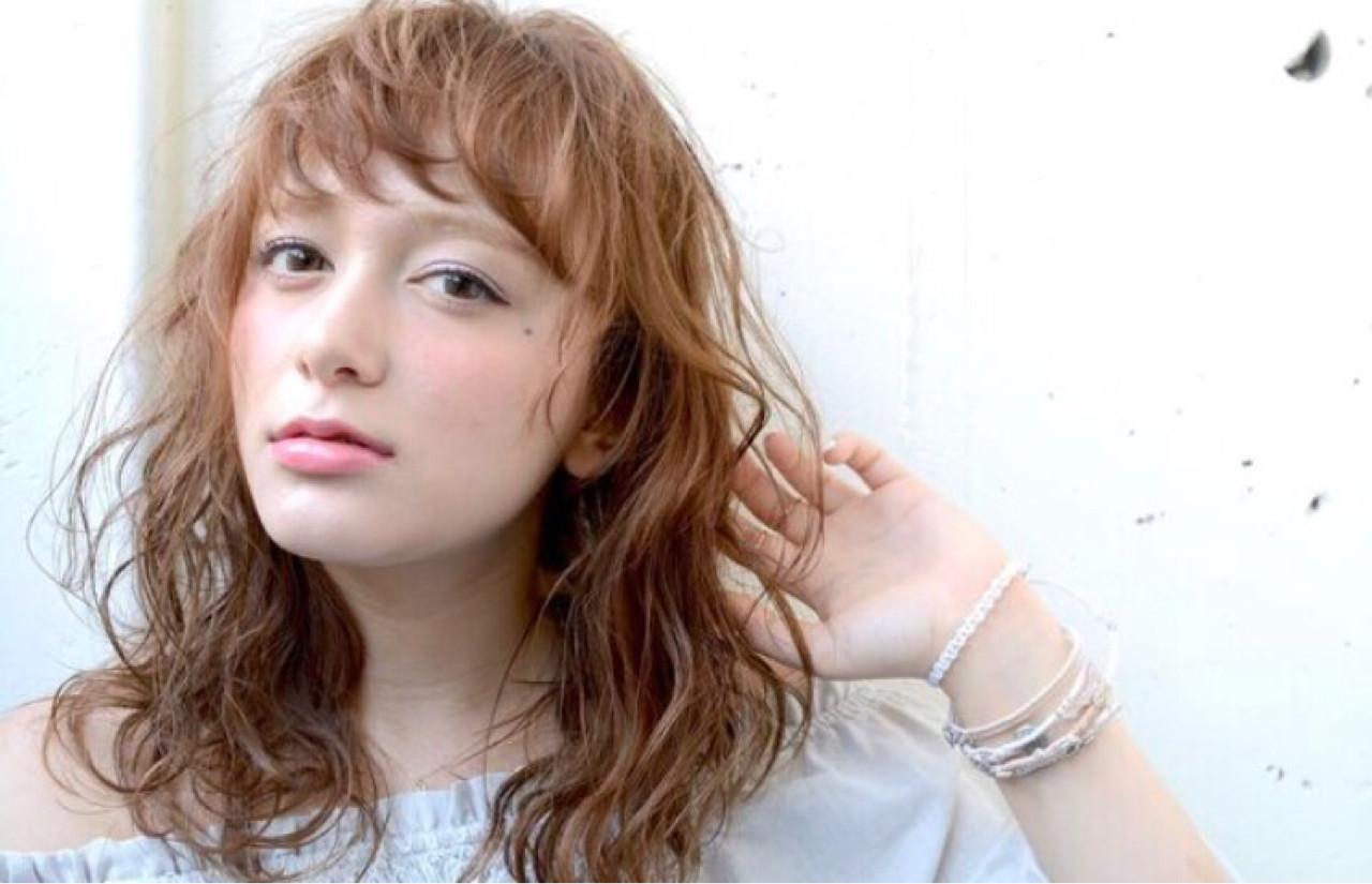 ナチュラル セミロング ウェットヘア ヘアスタイルや髪型の写真・画像 | hide / mira by green / mira by green