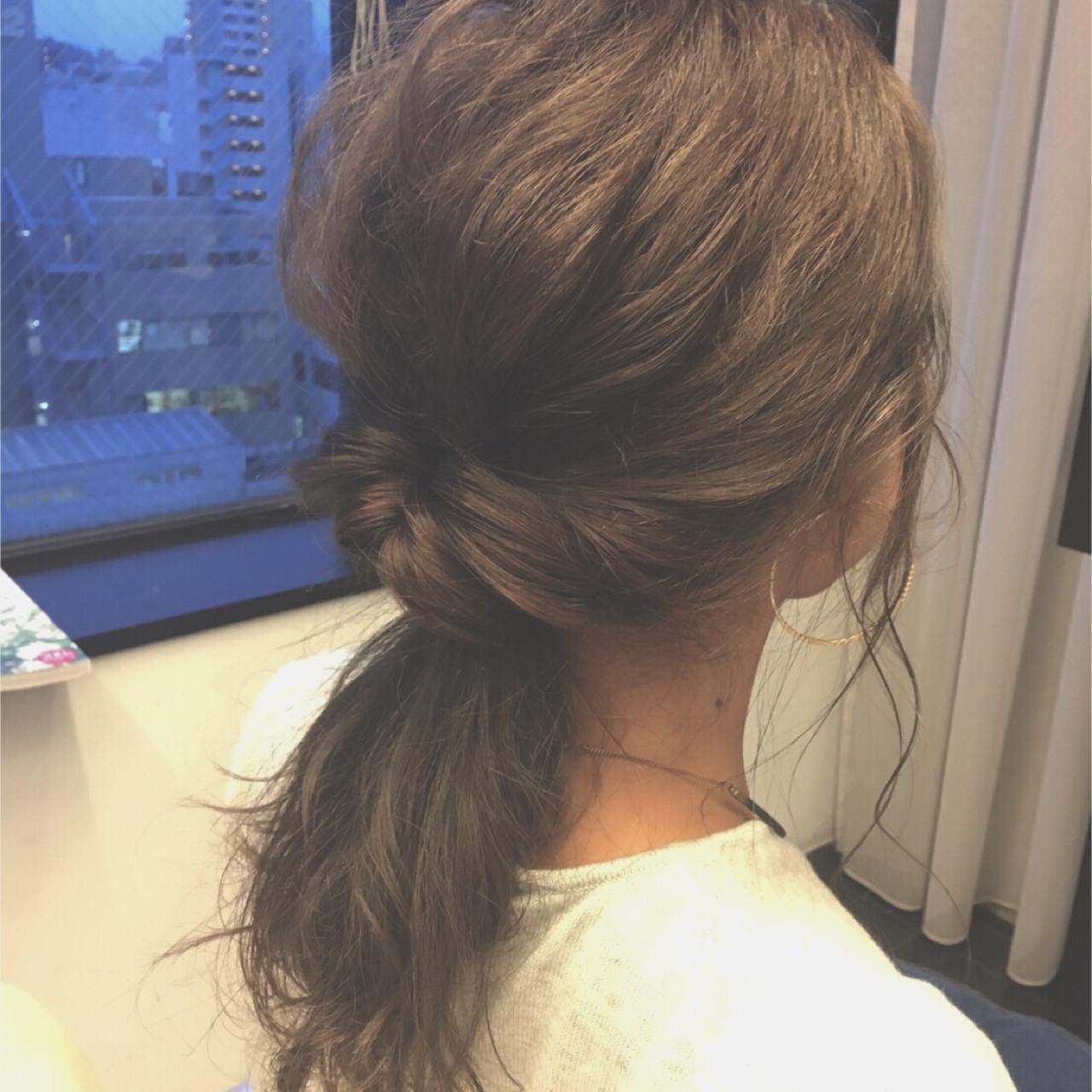 セミロング 暗髪 簡単ヘアアレンジ 大人かわいい ヘアスタイルや髪型の写真・画像 | アビル 裕貴 / ノーネームヘアー