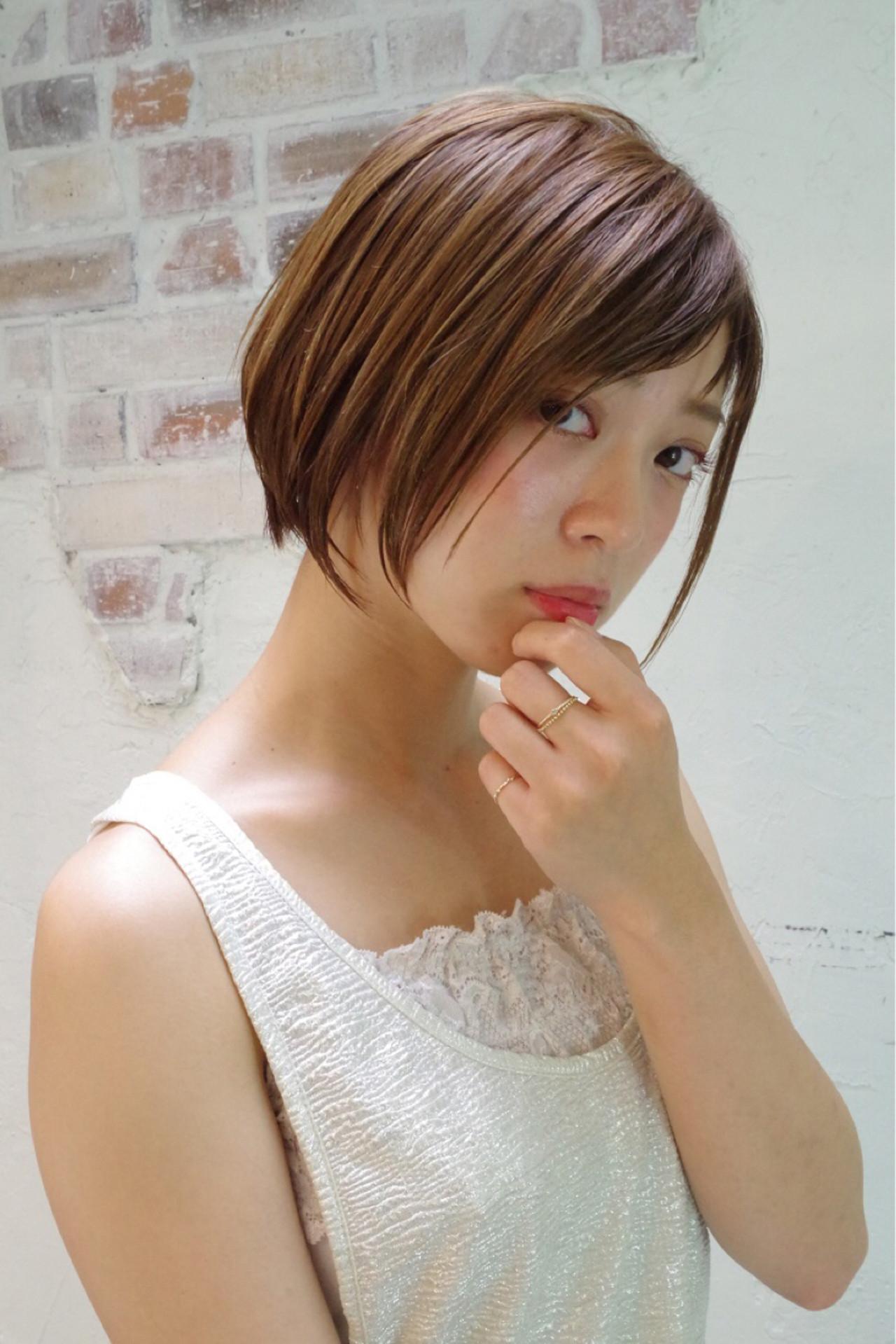 ウェットヘア ボブ ワイドバング ナチュラルヘアスタイルや髪型の写真・画像