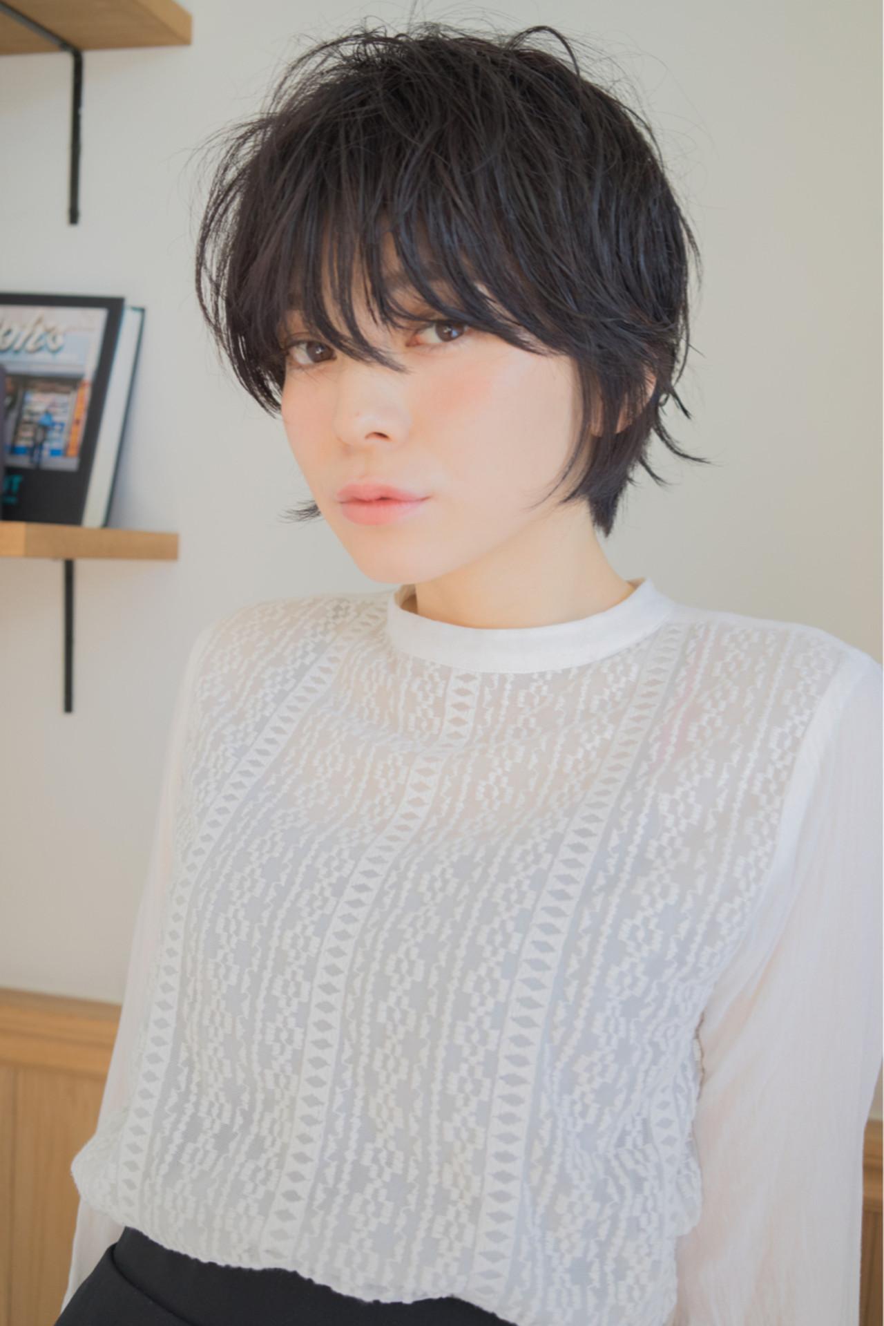 大人かわいい ナチュラル パーマ ショートヘアスタイルや髪型の写真・画像