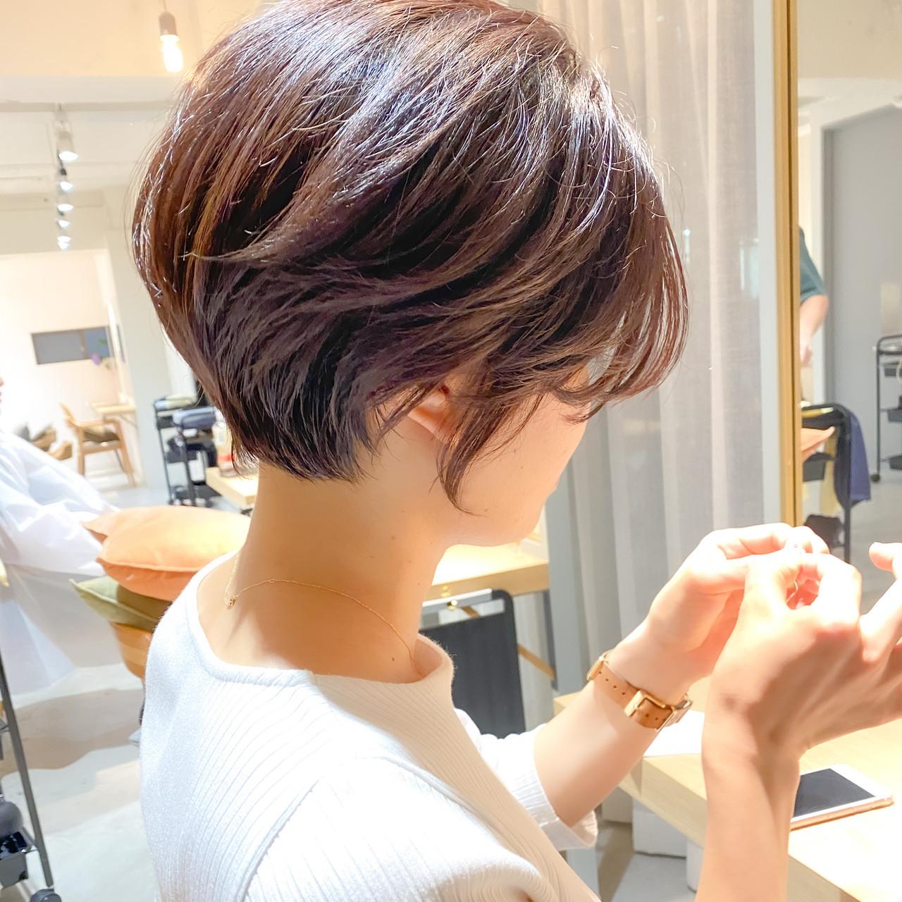 ナチュラル ショートヘア アウトドア 大人かわいいヘアスタイルや髪型の写真・画像