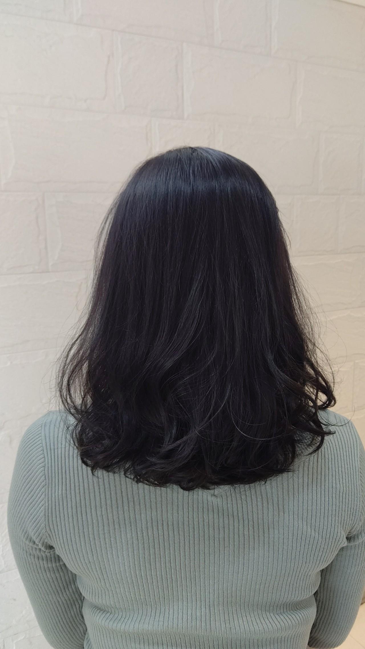 ナチュラル アディクシーカラー アッシュ 似合わせヘアスタイルや髪型の写真・画像
