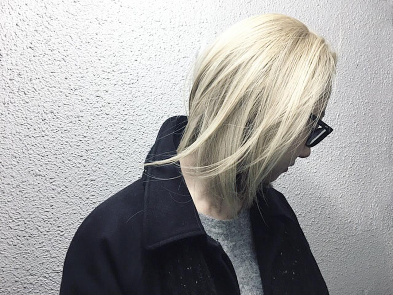アッシュ ブリーチ ストリート ダブルカラーヘアスタイルや髪型の写真・画像