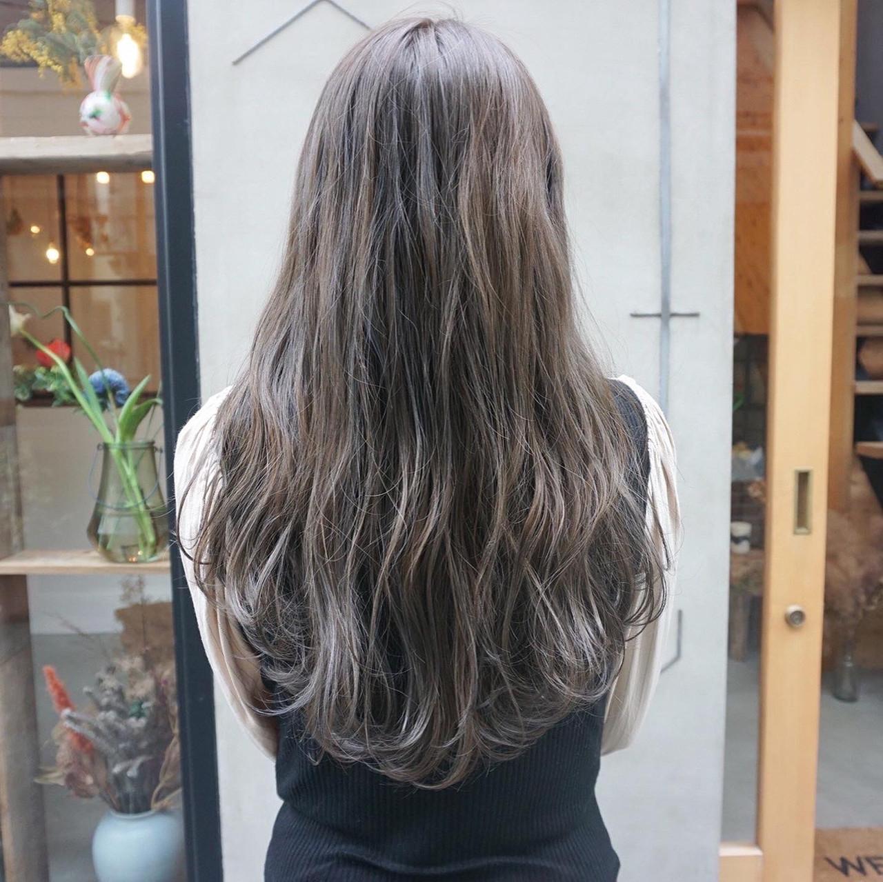 透明感カラー 透明感 くすみカラー ロングヘアスタイルや髪型の写真・画像