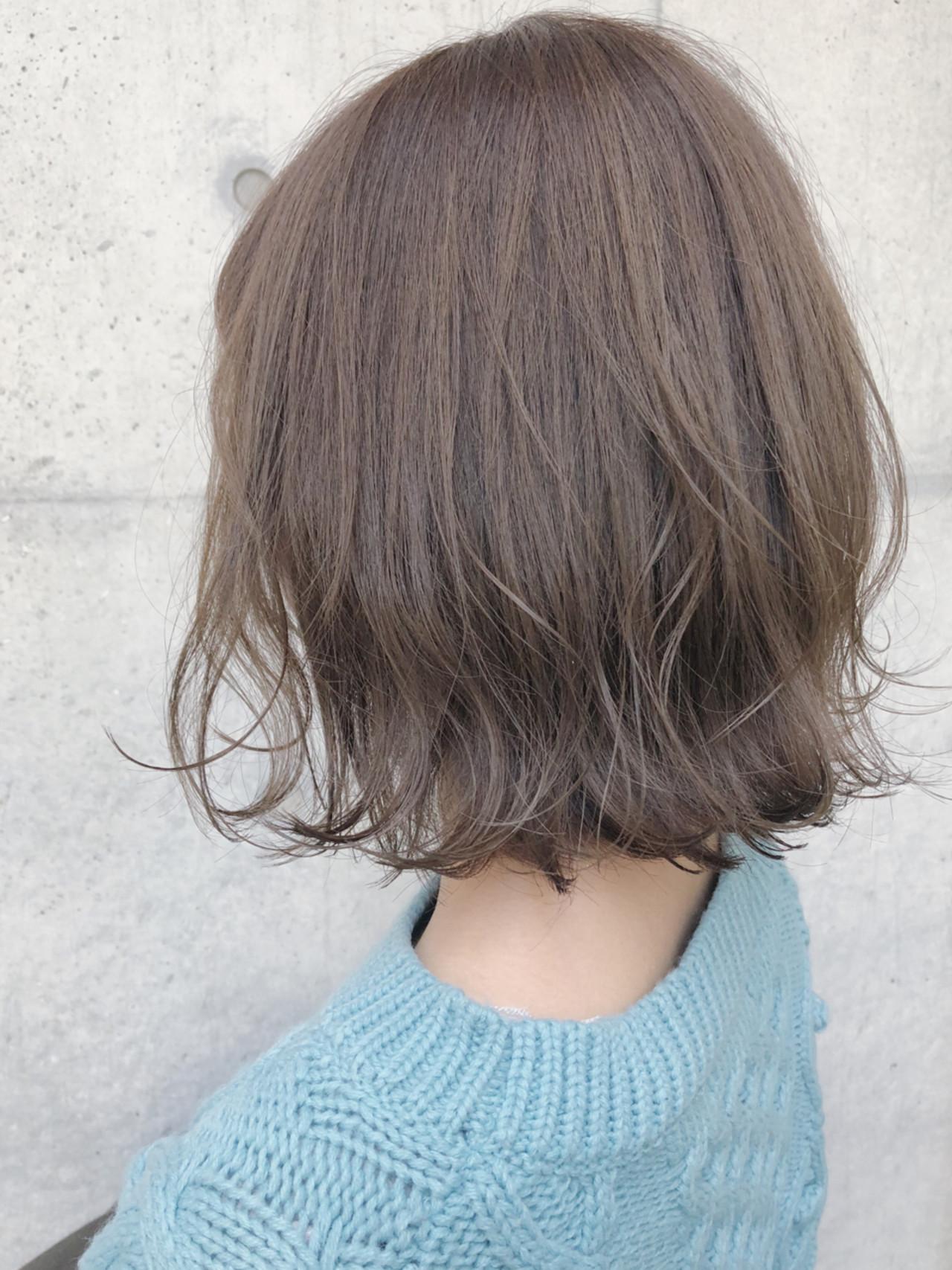 ロブ ナチュラル オリーブアッシュ ボブヘアスタイルや髪型の写真・画像