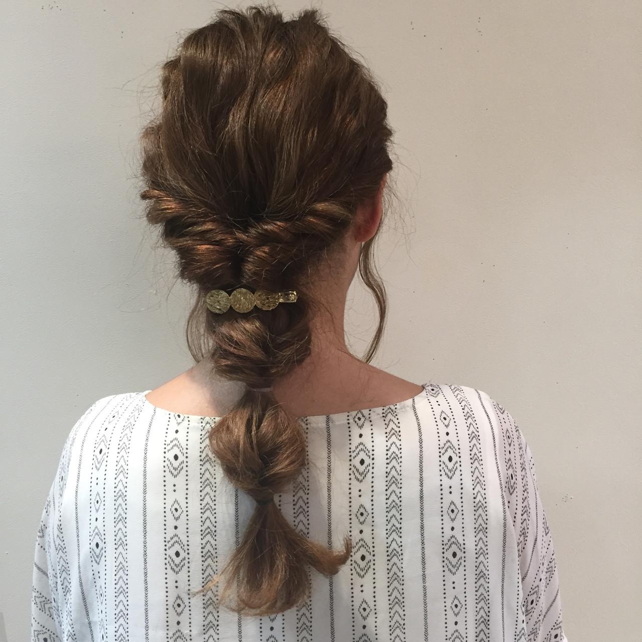 結婚式 ロング ナチュラル ウェーブ ヘアスタイルや髪型の写真・画像 | 酒井麻由加 / reginalore
