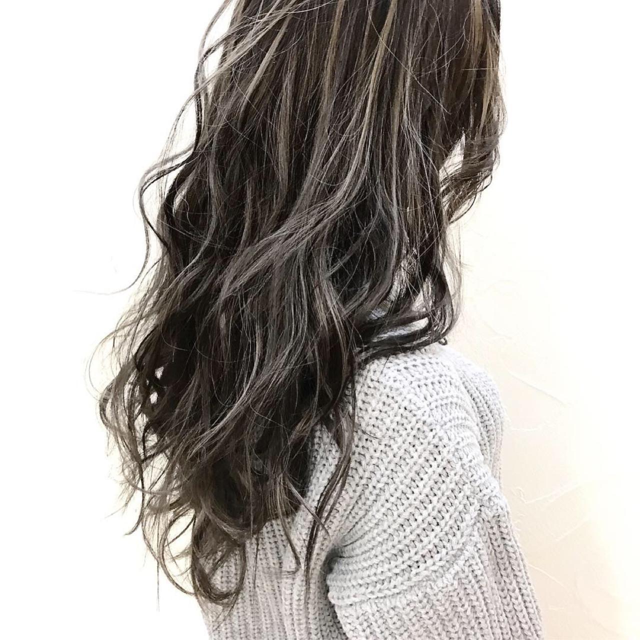 ハイライト ウェーブ 外国人風カラー ミルクティーベージュヘアスタイルや髪型の写真・画像