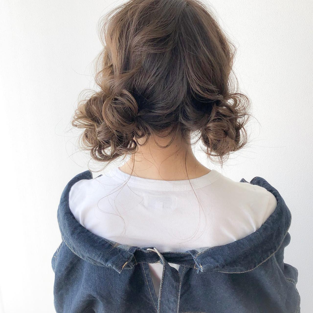 ヘアアレンジ お団子アレンジ ナチュラル セミロングヘアスタイルや髪型の写真・画像