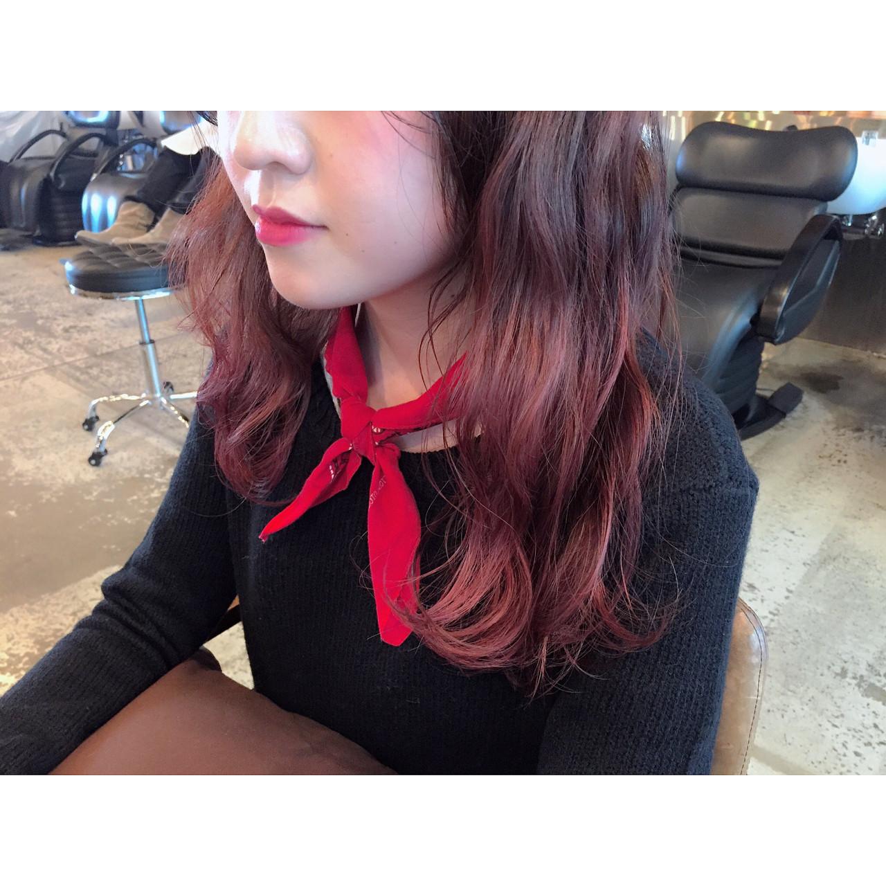 レッド ピンク グラデーションカラー ロング ヘアスタイルや髪型の写真・画像 | 竹ケ鼻唯 / SUN