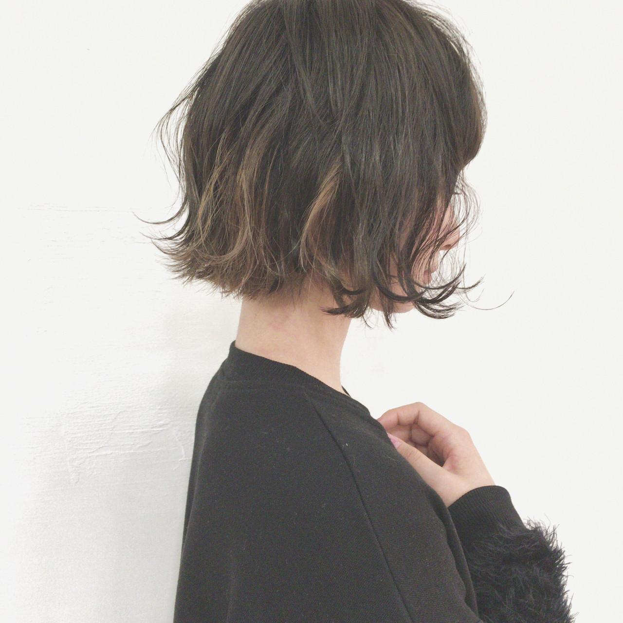 黒髪 切りっぱなし インナーカラー デートヘアスタイルや髪型の写真・画像